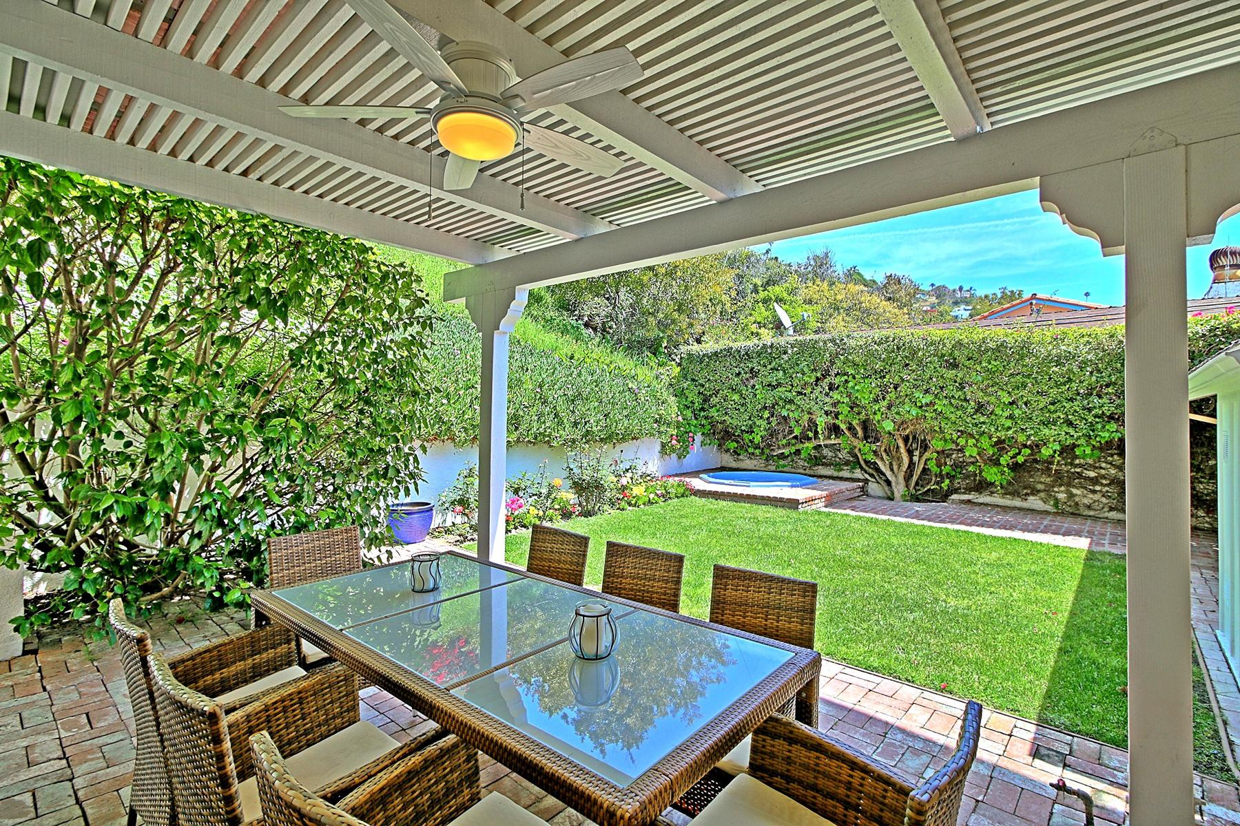 Additional photo for property listing at La Costa Beach Ocean View Home in Malibu 21701 Pacific Coast Highway Malibu, California 90265 United States