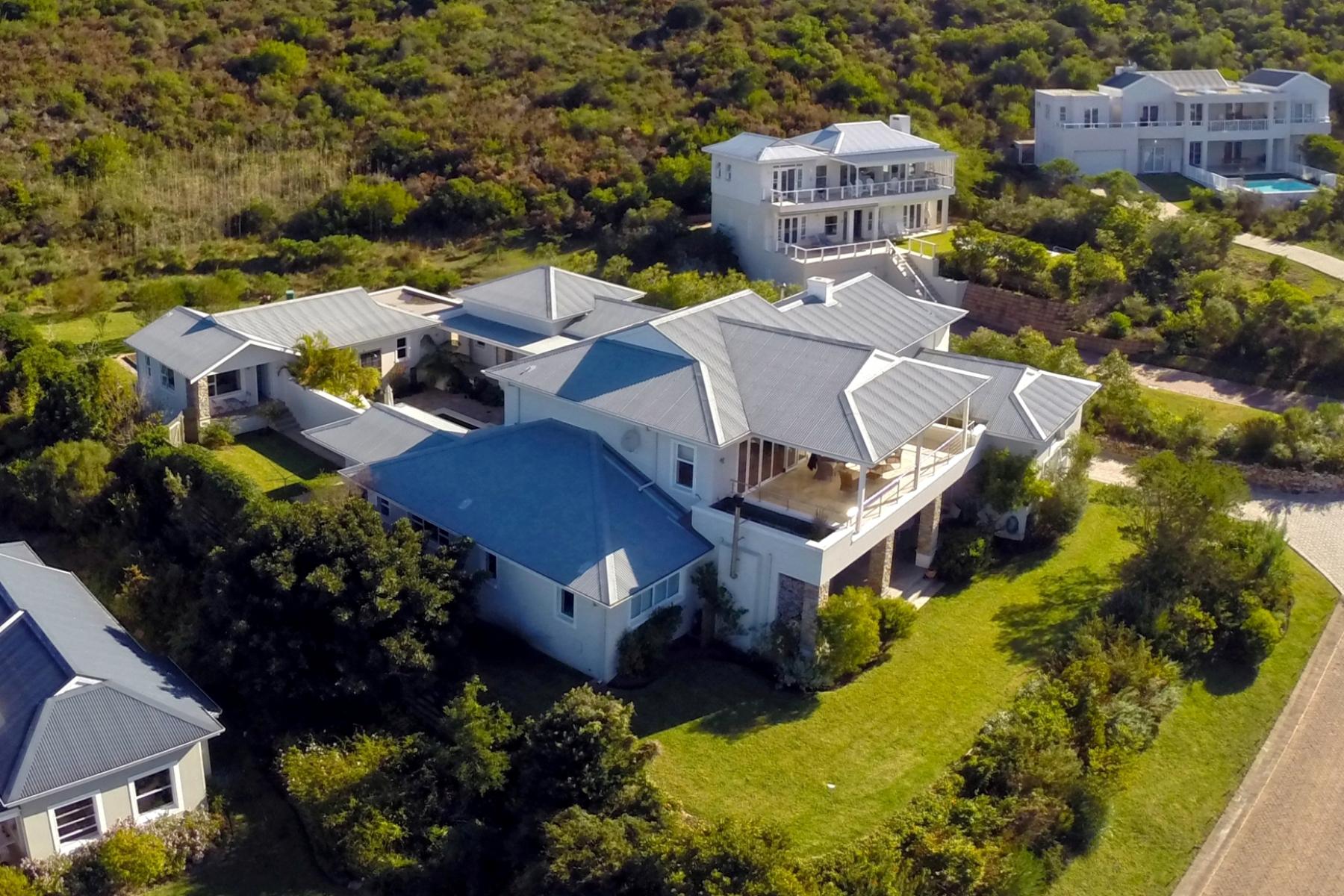 Tek Ailelik Ev için Satış at Quiet Elegance in Gated Estate Plettenberg Bay, Bati Cape, 6600 Güney Afrika