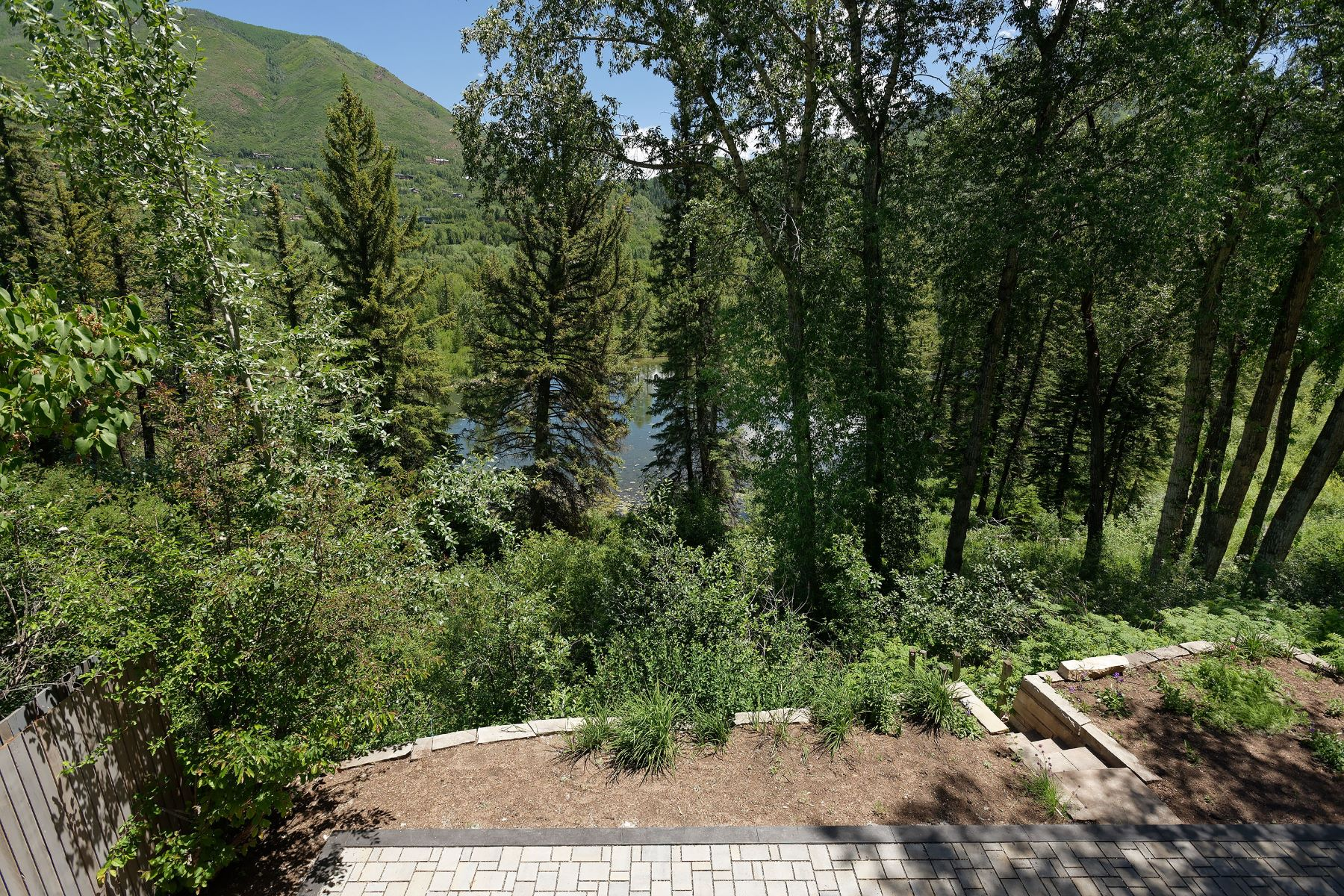 Additional photo for property listing at The Best of the West End 300 Lake Avenue Aspen, Colorado 81611 Estados Unidos