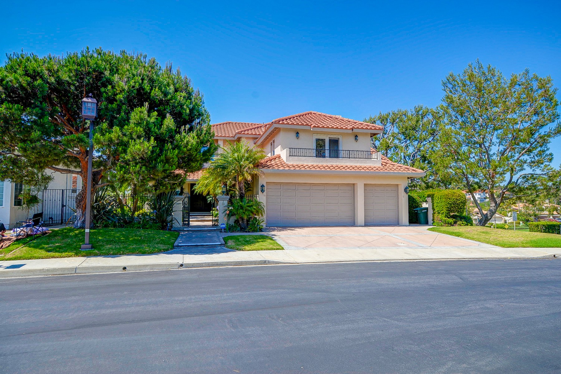 Частный односемейный дом для того Продажа на 2 Soto Grande Dr. Dana Point, Калифорния, 92629 Соединенные Штаты