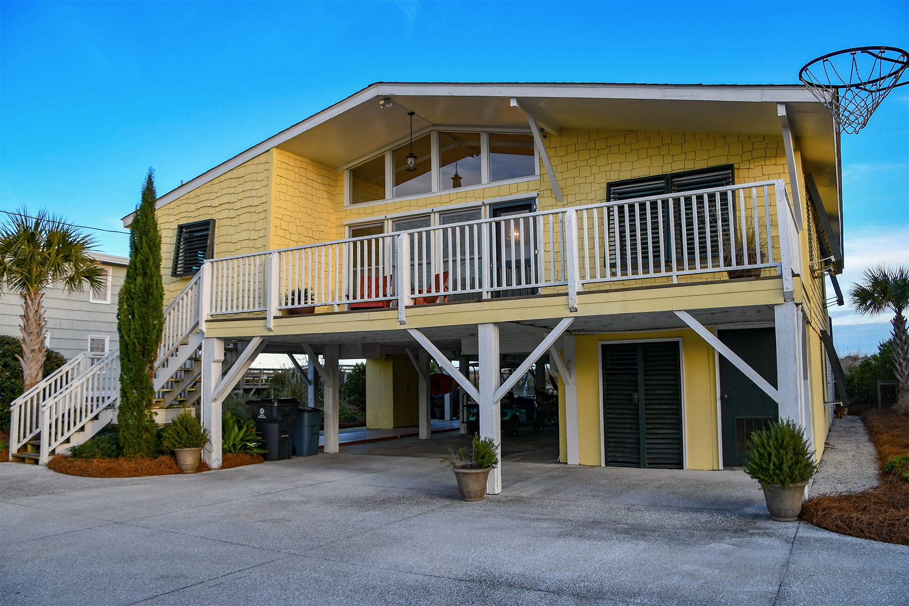 Single Family Homes for Active at 980 Parker Drive Pawleys Island, South Carolina 29585 United States