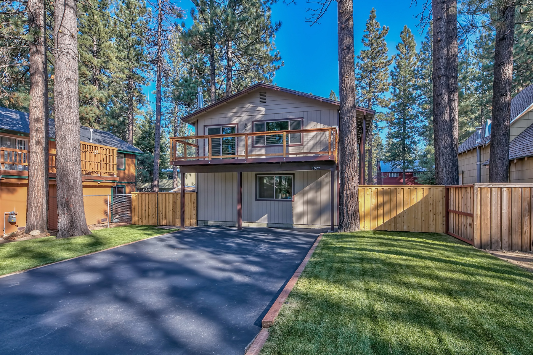 واحد منزل الأسرة للـ Sale في 1027 Glen Road South Lake Tahoe California, 96150 South Lake Tahoe, California, 96150 United States