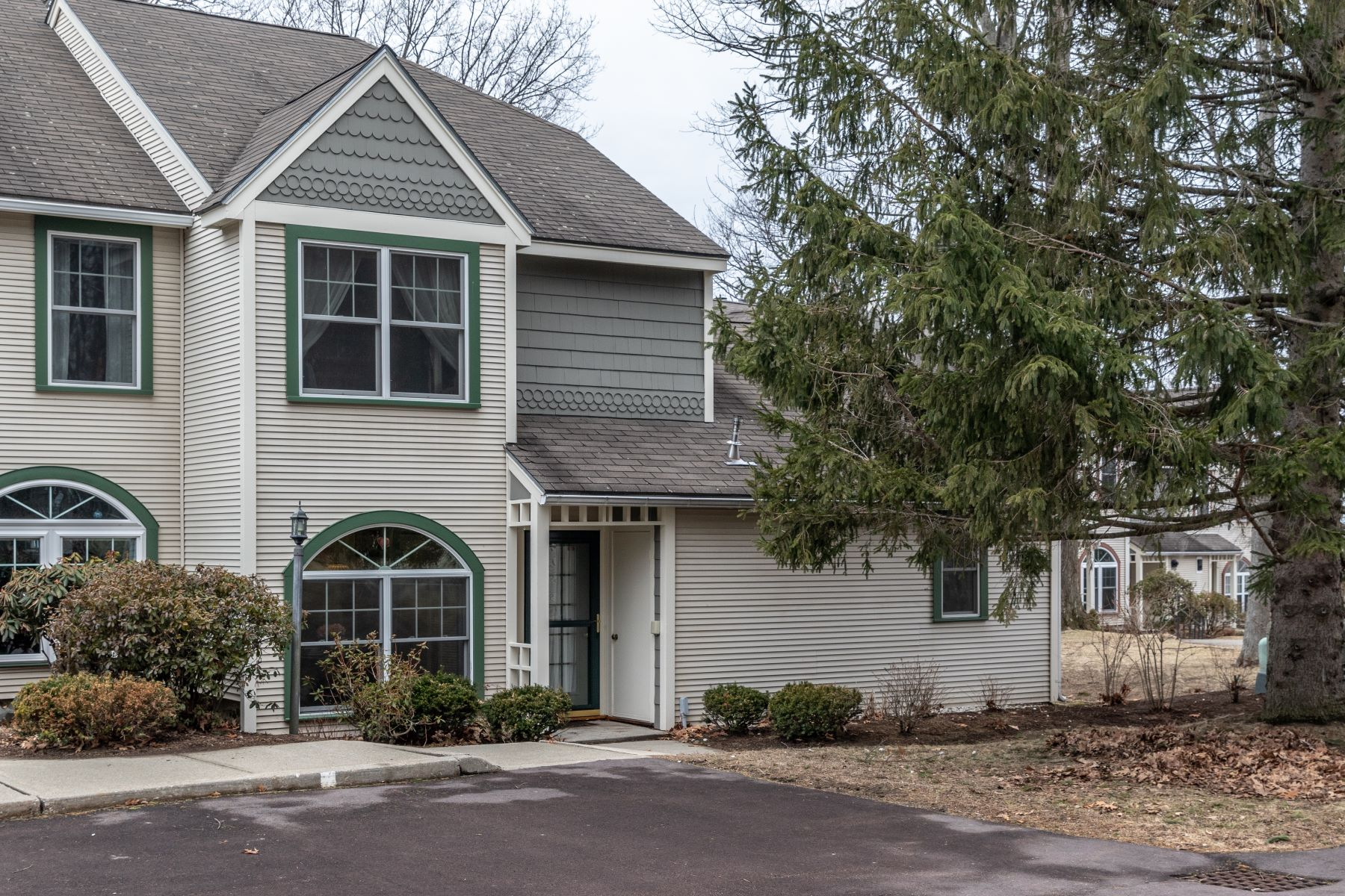 condominiums for Sale at 119 Northshore Drive, Burlington 119 Northshore Dr Burlington, Vermont 05408 United States