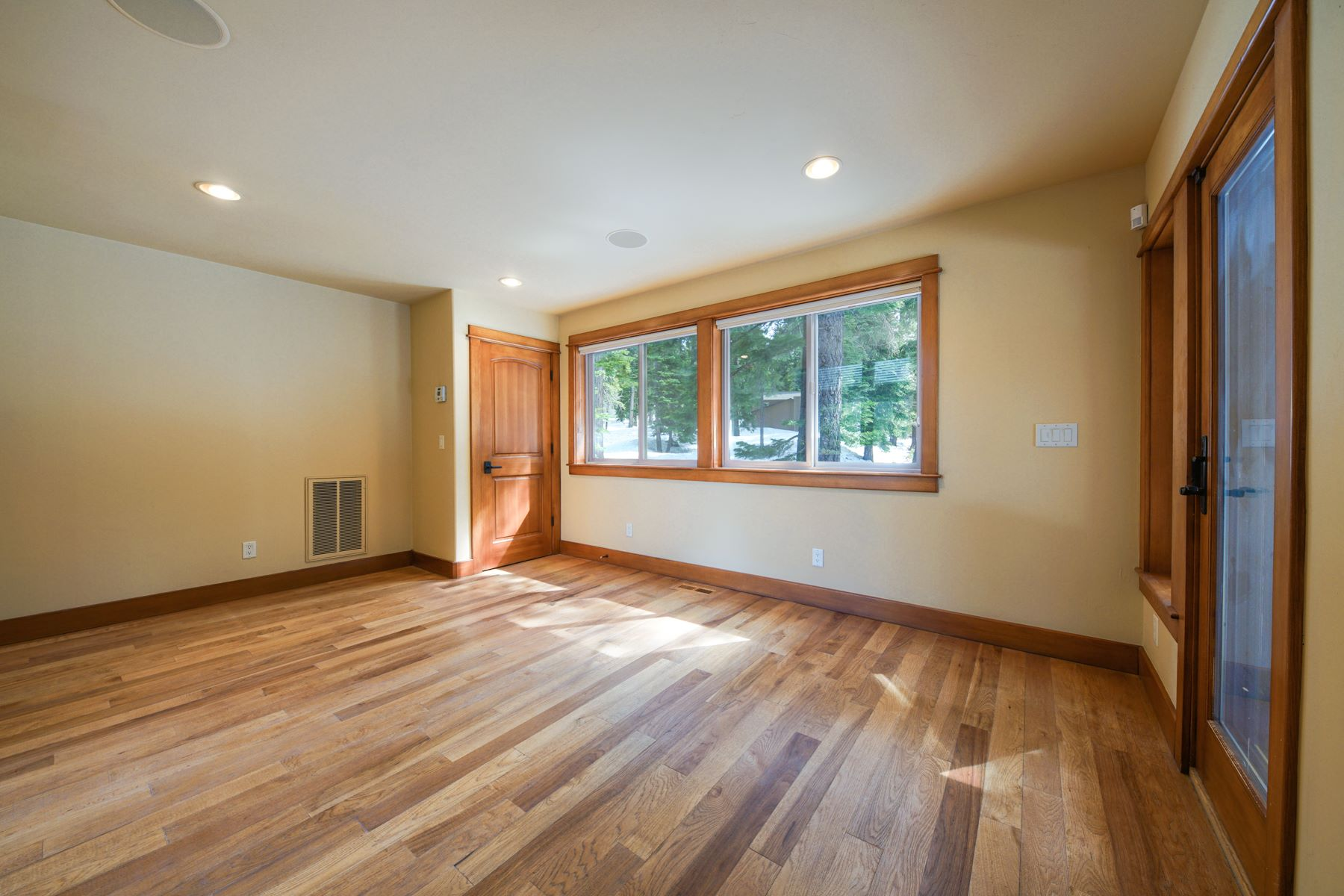 Additional photo for property listing at 1003 Marlene Street, Incline Village, Nevada 1003 Marlene Street Incline Village, Nevada 89451 United States