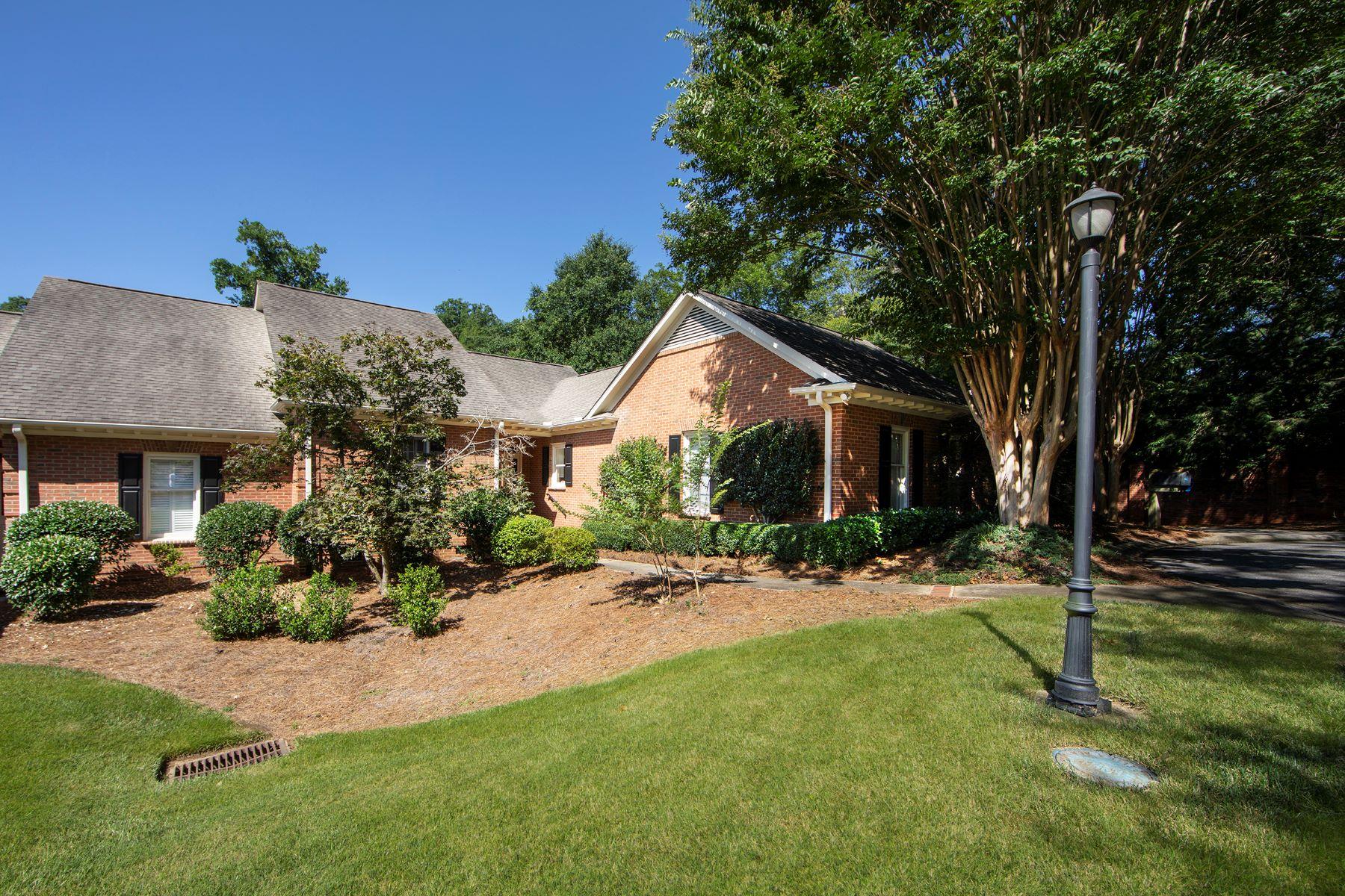 Condominiums للـ Sale في Updated Condo in Alta Vista Area 15 Landsdown Avenue, Greenville, South Carolina 29601 United States