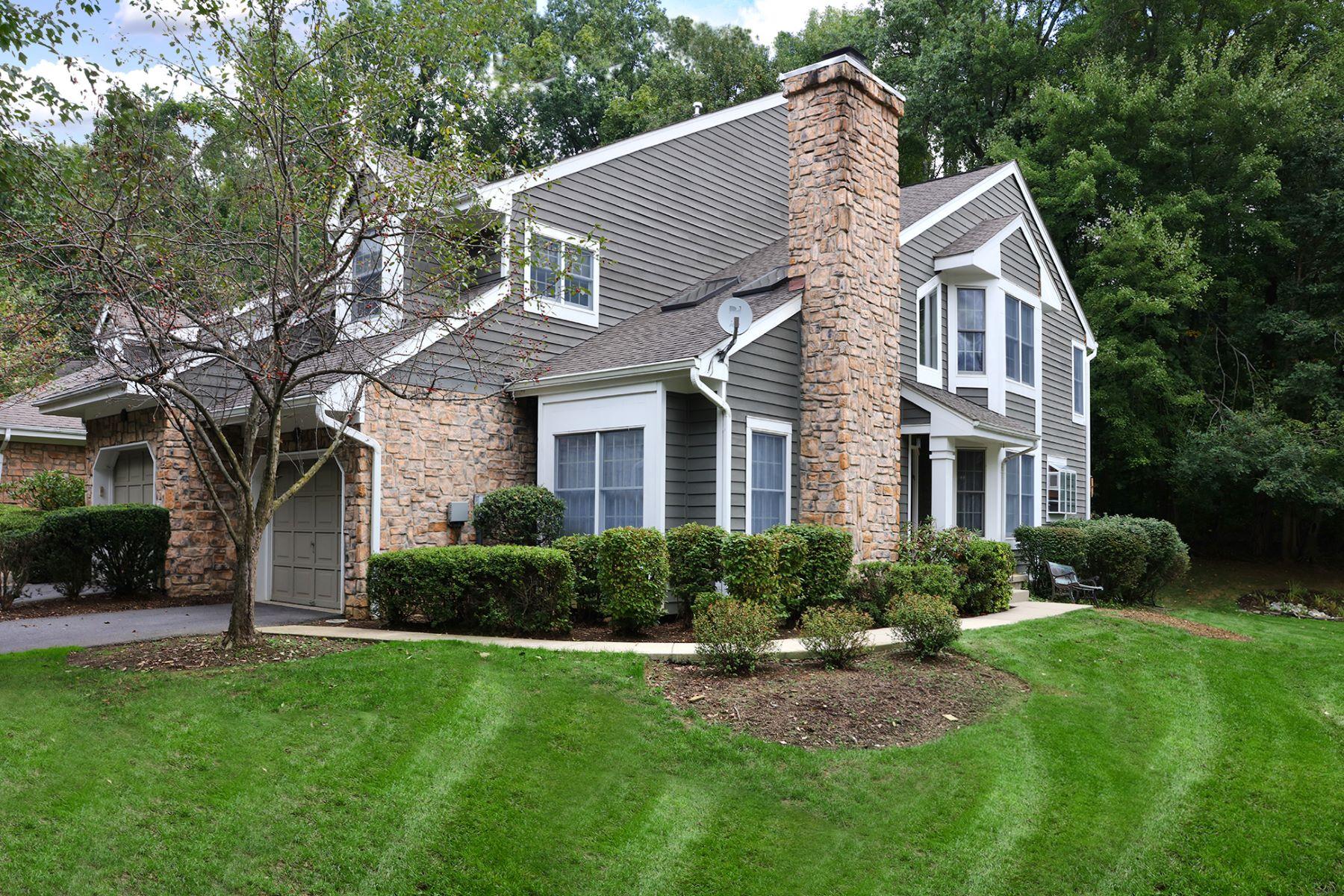 Stadthaus für Verkauf beim Elegant Townhome In The Woods At Princeton Walk 10 Sage Court, Princeton, New Jersey 08540 Vereinigte StaatenIn/Rund um: South Brunswick