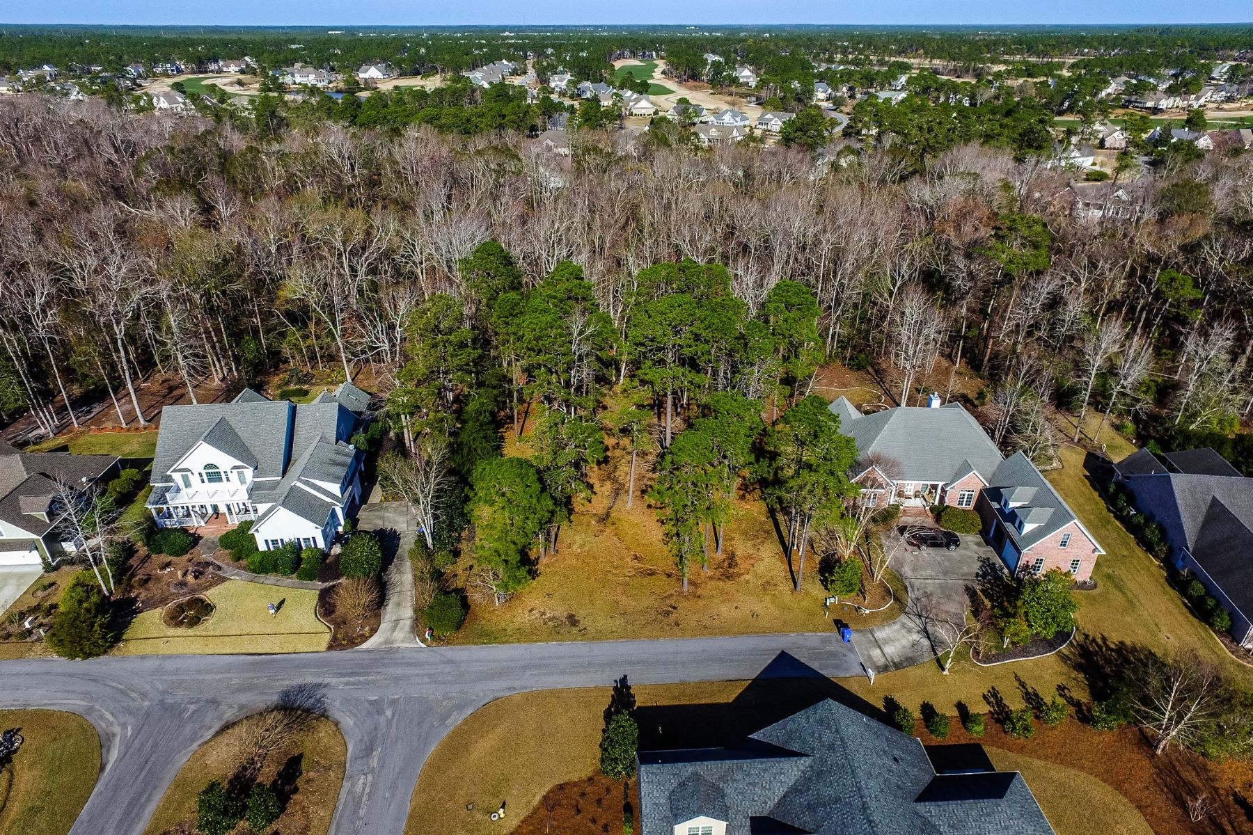 Đất đai vì Bán tại Wide and Deep Homesite in Highly Sought After Community 4388 Ascot Circle SE, Southport, Bắc Carolina 28461 Hoa Kỳ