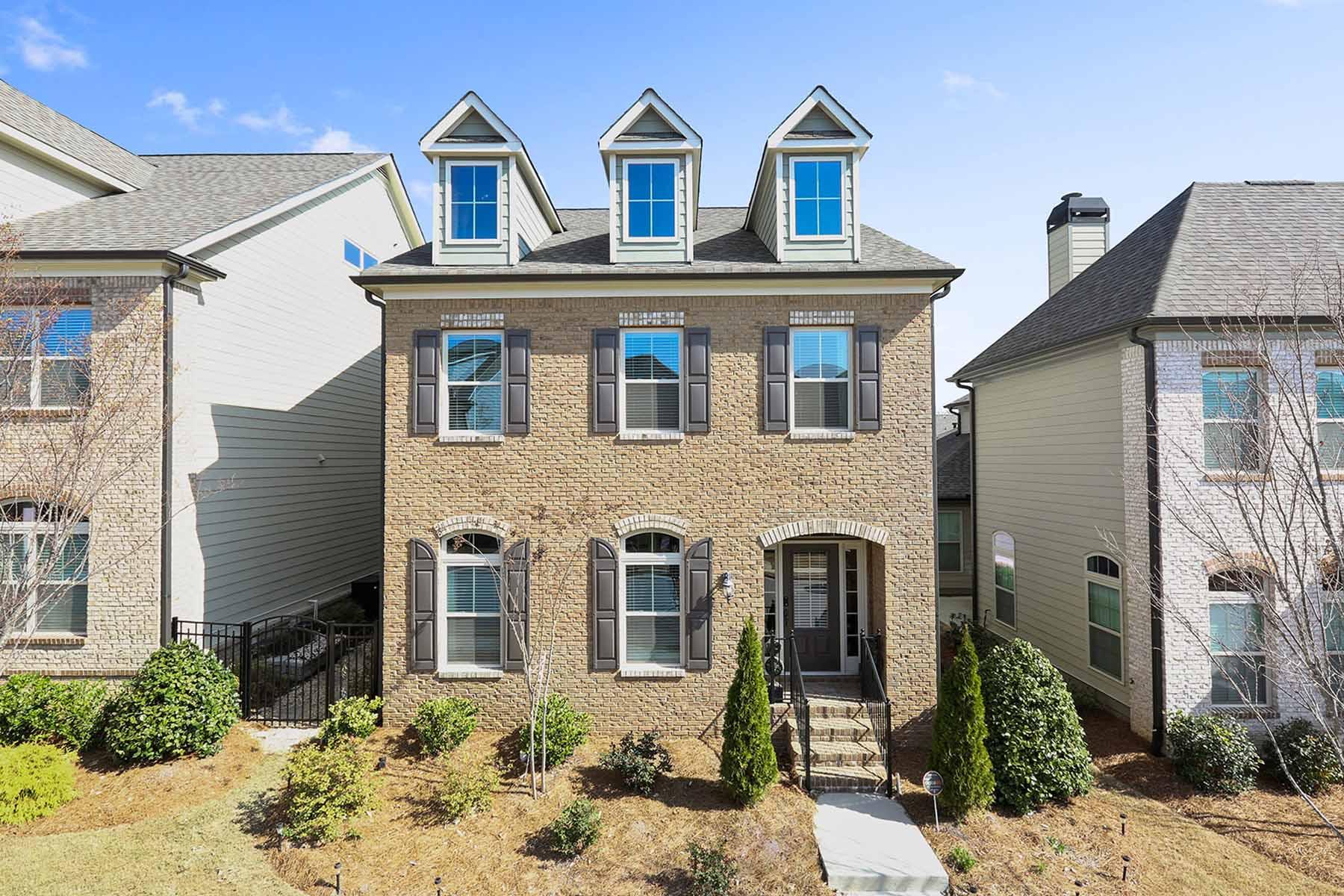 Nhà ở một gia đình vì Bán tại Stunning Home in Jamestown 6865 Counselors Way Alpharetta, Georgia, 30005 Hoa Kỳ