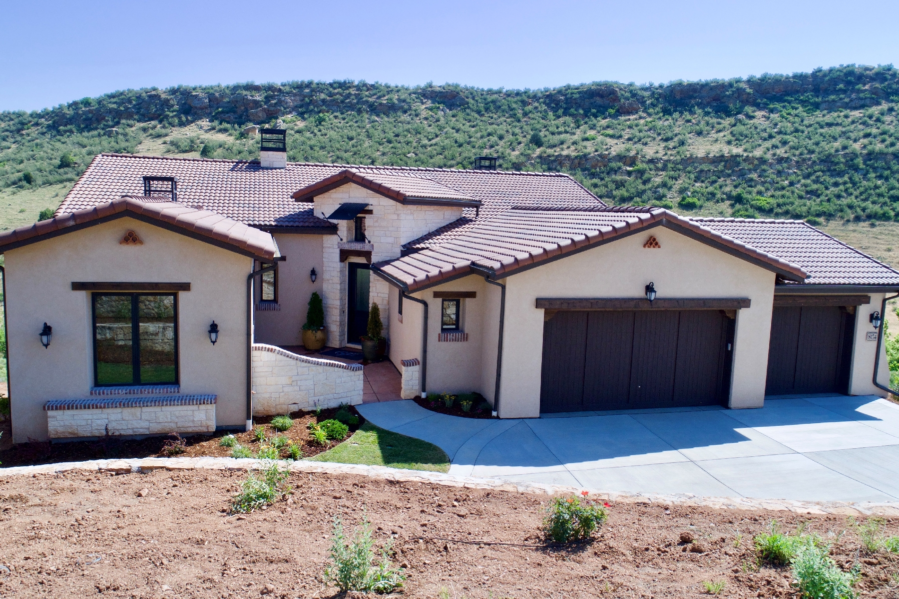 Single Family Home for Active at 8174 Donatello Ct 8174 Donatello Ct Littleton, Colorado 80125 United States