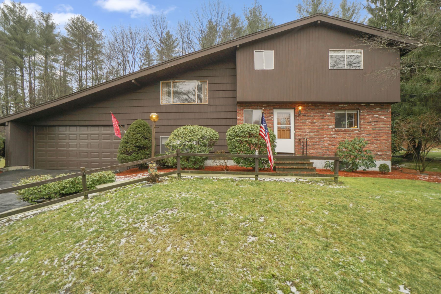 Single Family Homes 为 销售 在 5 Carey Circle 坎墩, 马萨诸塞州 02021 美国
