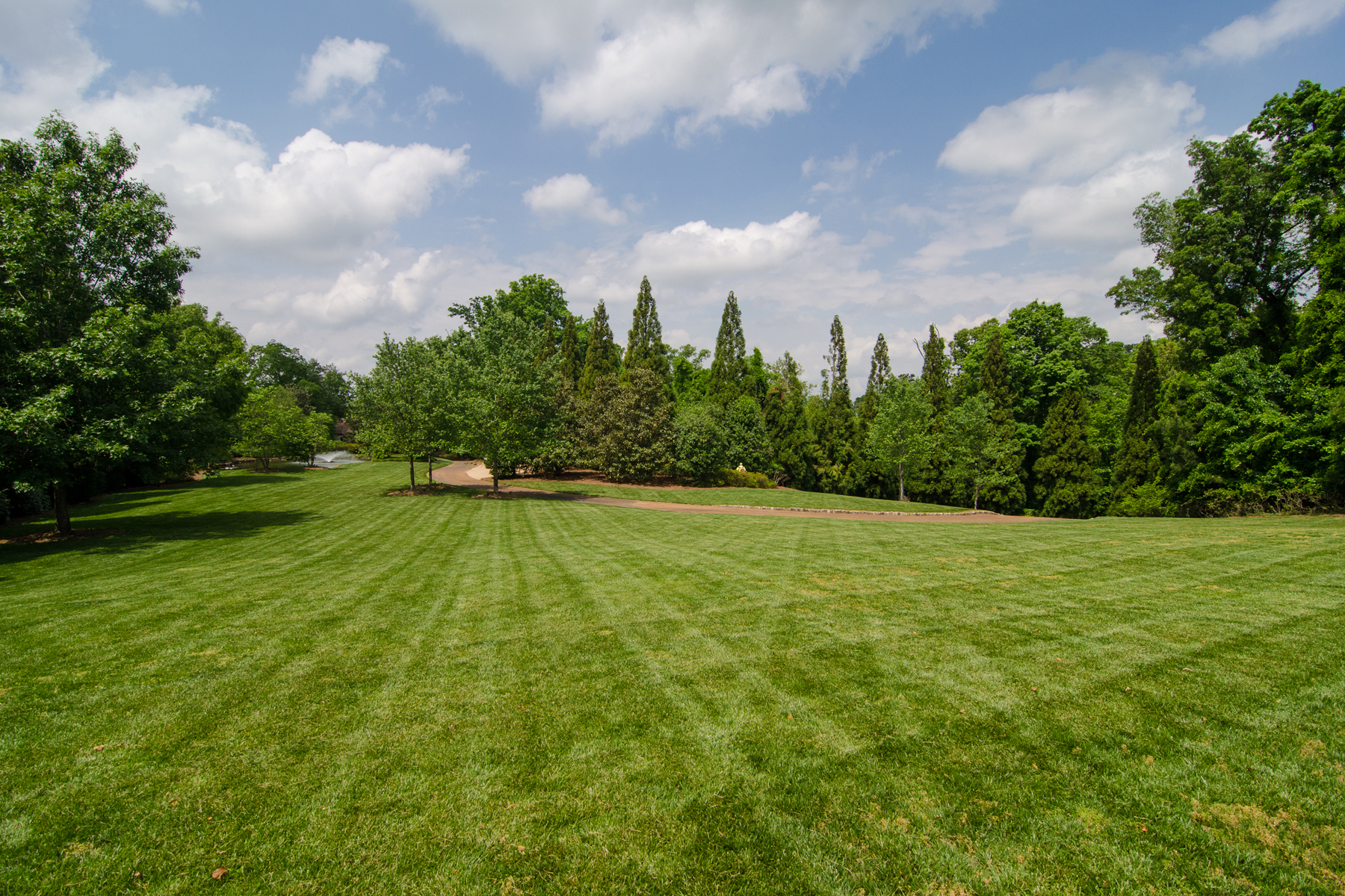 Additional photo for property listing at One Of A Kind 15 Acre Property 2100 W Wesley Road Atlanta, 喬治亞州 30327 美國