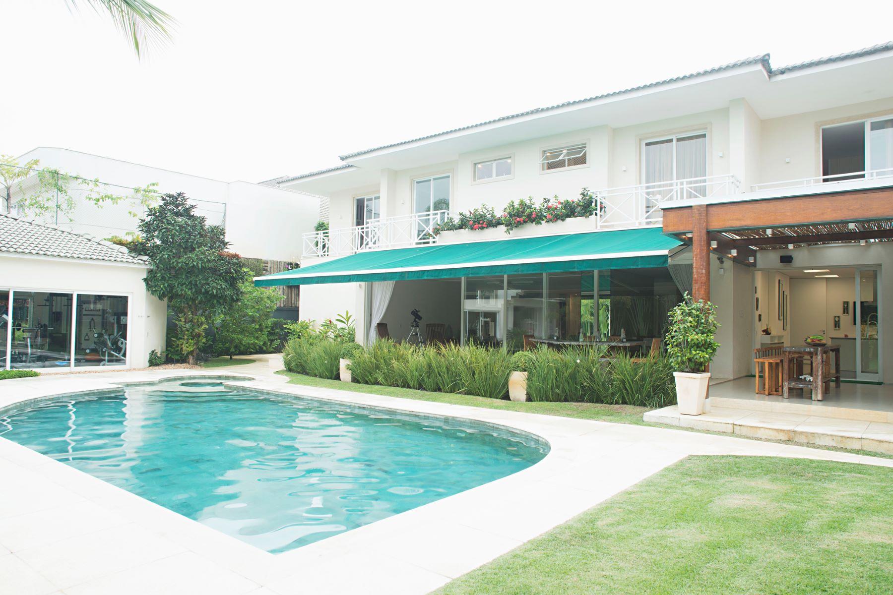 Maison unifamiliale pour l Vente à Great External Spaces Rua Mesquitinha Rio De Janeiro, Rio De Janeiro, 22793-297 Brésil