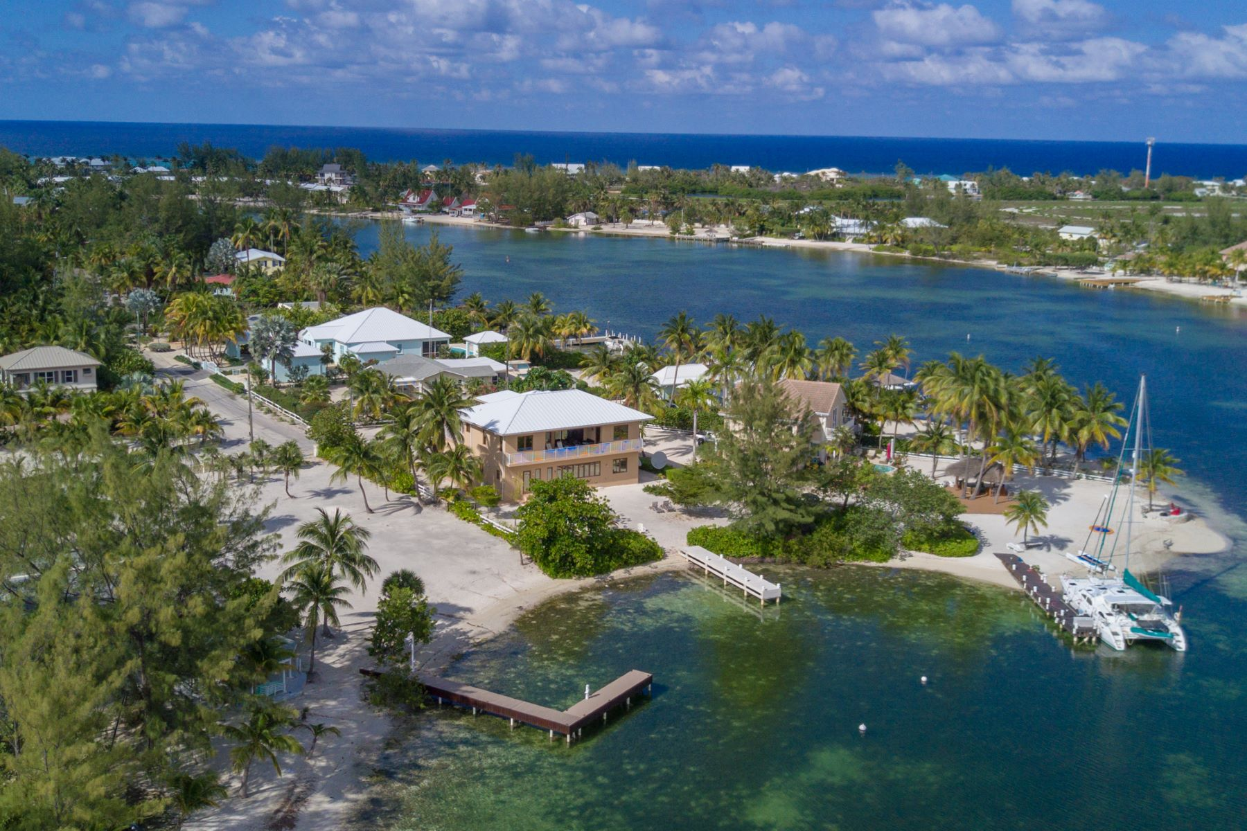 Additional photo for property listing at Casuarina Cove Ocean Front Rum Point, Gran Caimán Islas Caimán