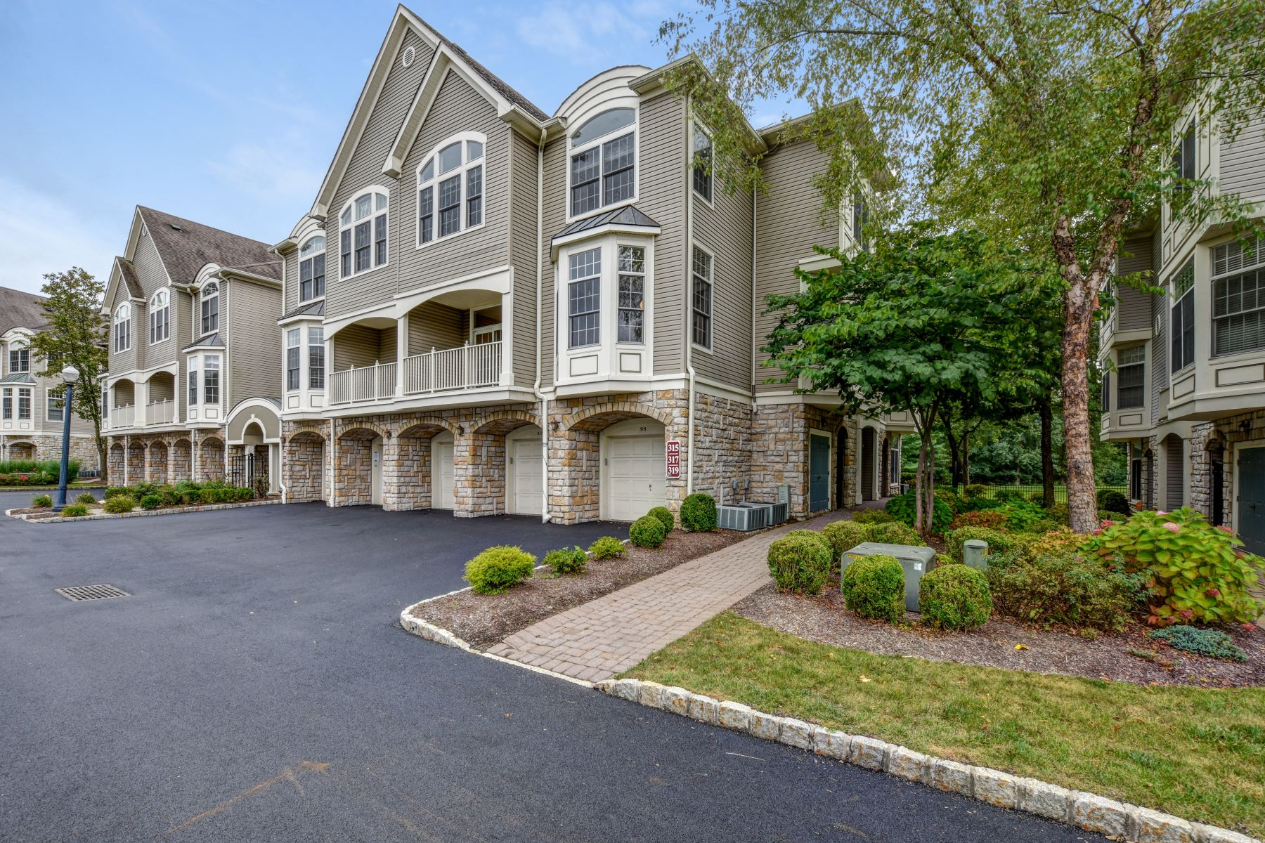 townhouses for Sale at Regency Club End Unit 315 Regal Boulevard Livingston, New Jersey 07039 United States