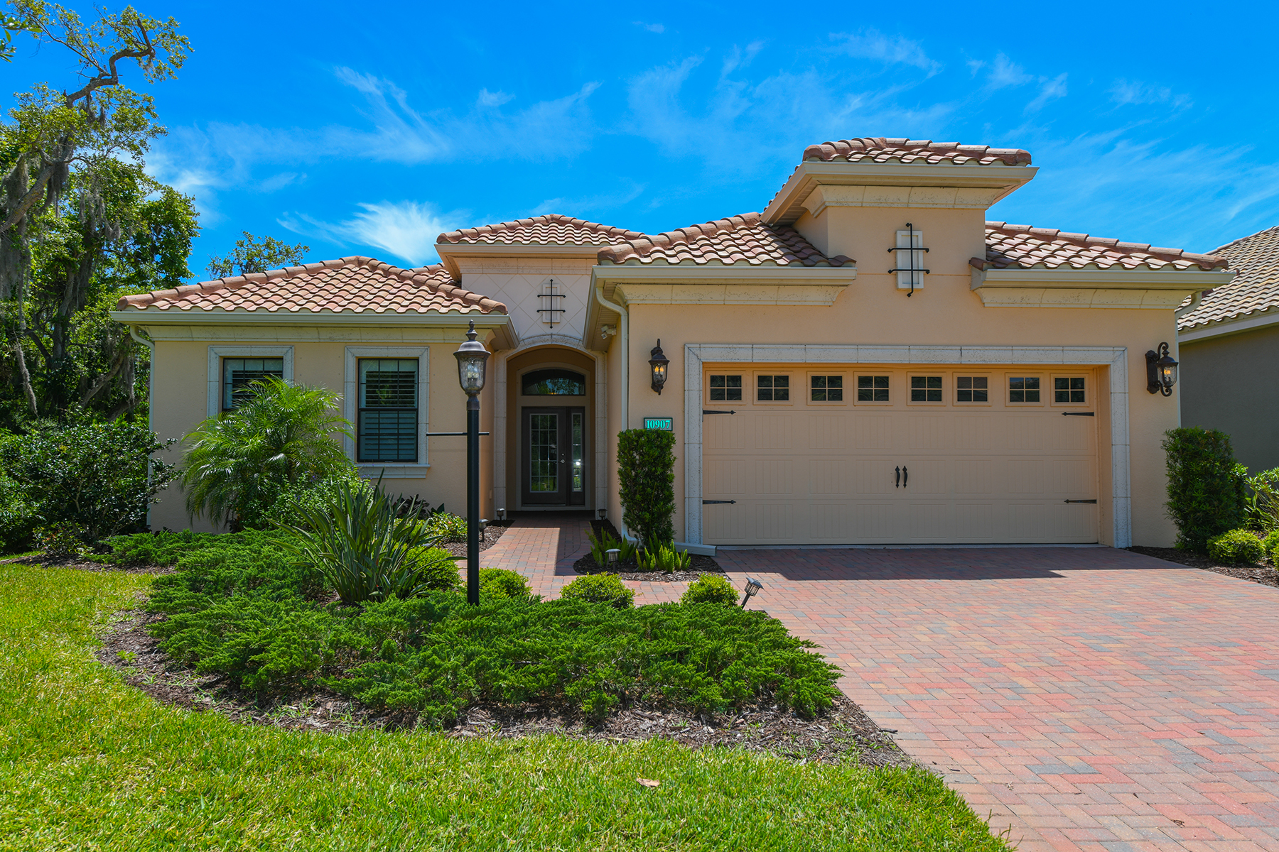 Single Family Homes for Sale at BOCA ROYALE GOLF & COUNTRY CLUB 10907 Trophy Dr, Englewood, Florida 34223 United States