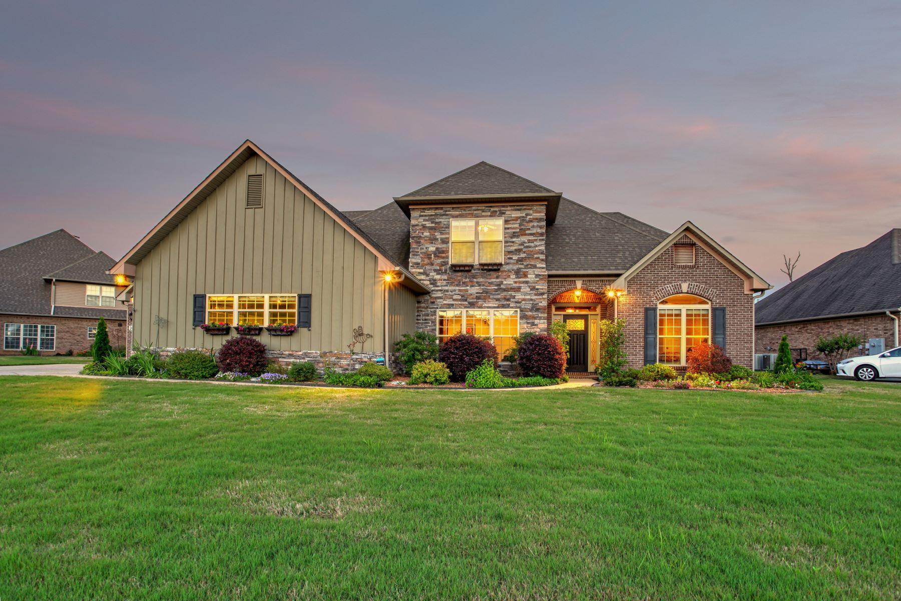 Single Family Homes 为 销售 在 2405 Rothmore Drive Huntsville, 阿拉巴马州 35803 美国