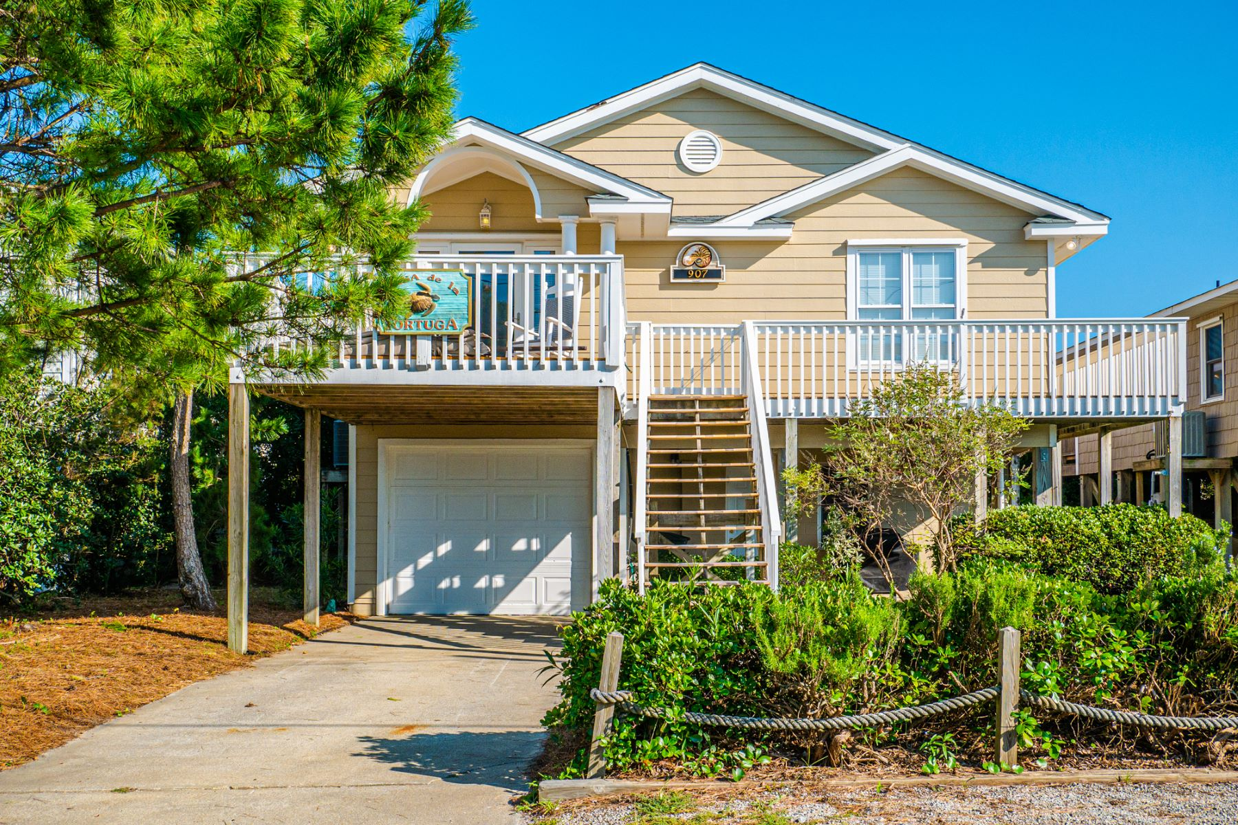 Single Family Homes for Sale at Ocean Front Cottage 907 Ocean Blvd Topsail Beach, North Carolina 28445 United States