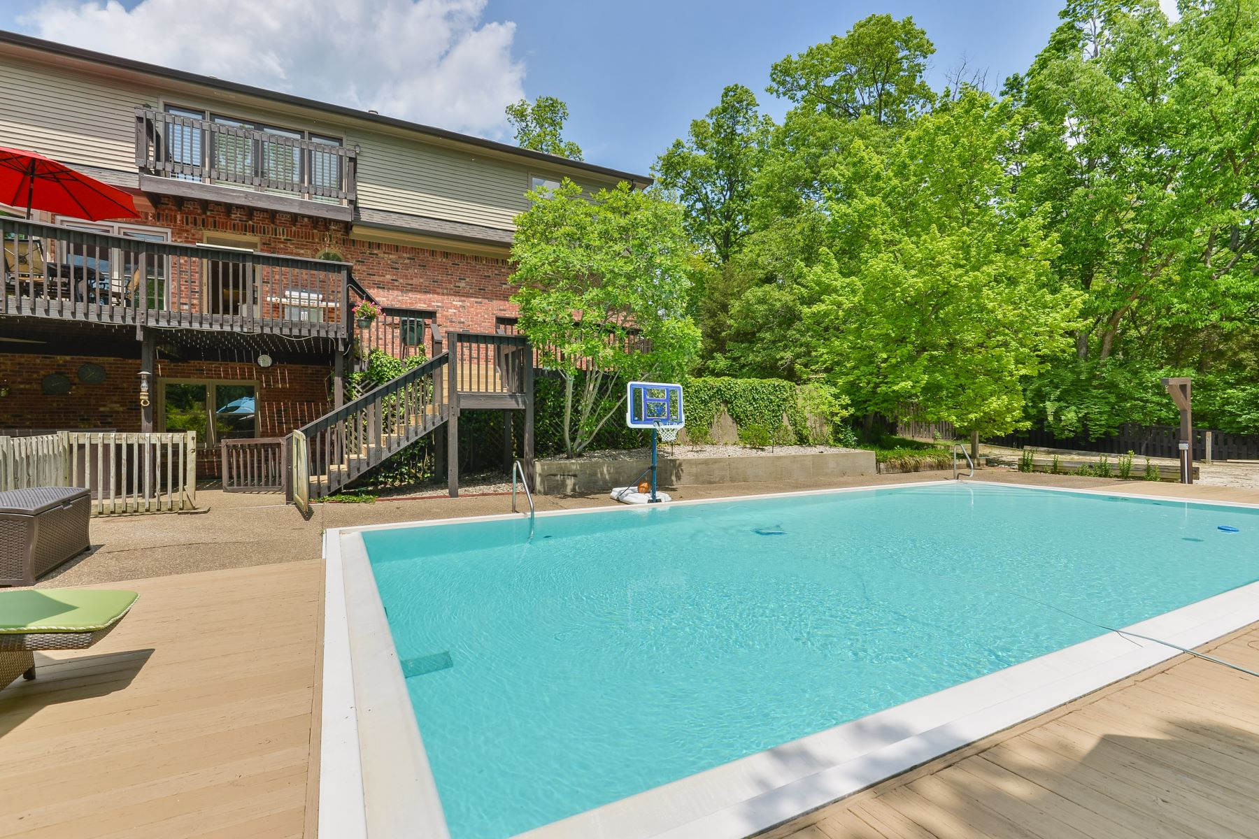 Additional photo for property listing at 7719 Cambridge Court  Crestwood, Kentucky 40014 United States