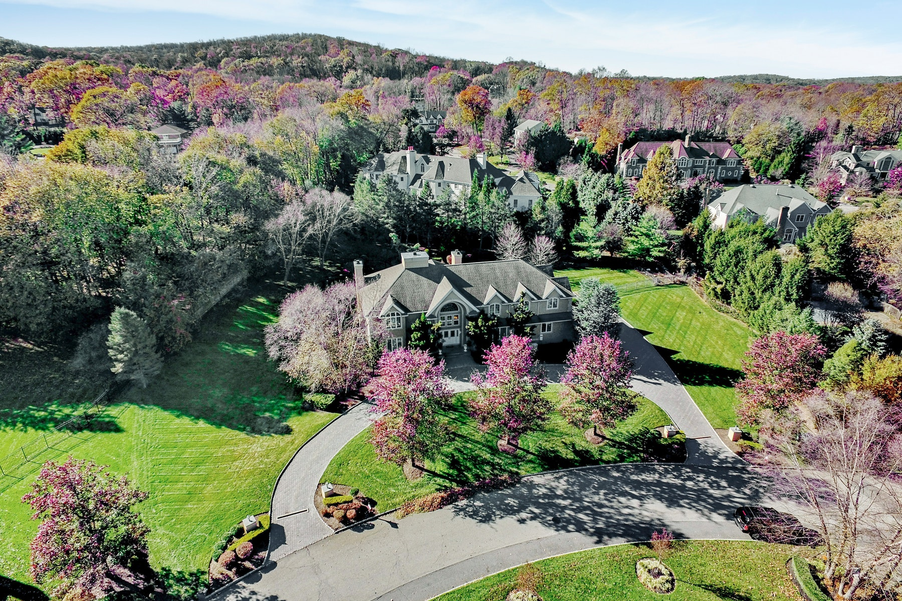 Single Family Homes for Sale at Create Lifetime Memories 310 Water View Drive Franklin Lakes, New Jersey 07417 United States