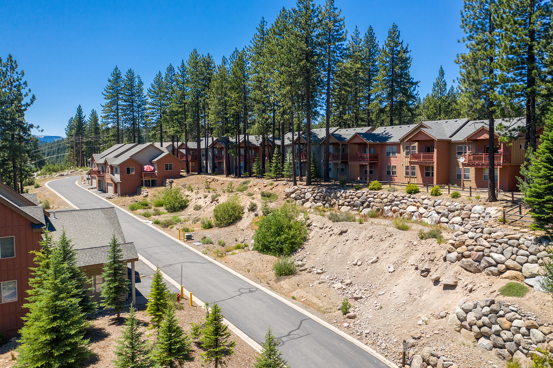 Additional photo for property listing at Wonderful Business Opportunity 10153-10318 Stoneridge Dr. Truckee, California 96161 United States