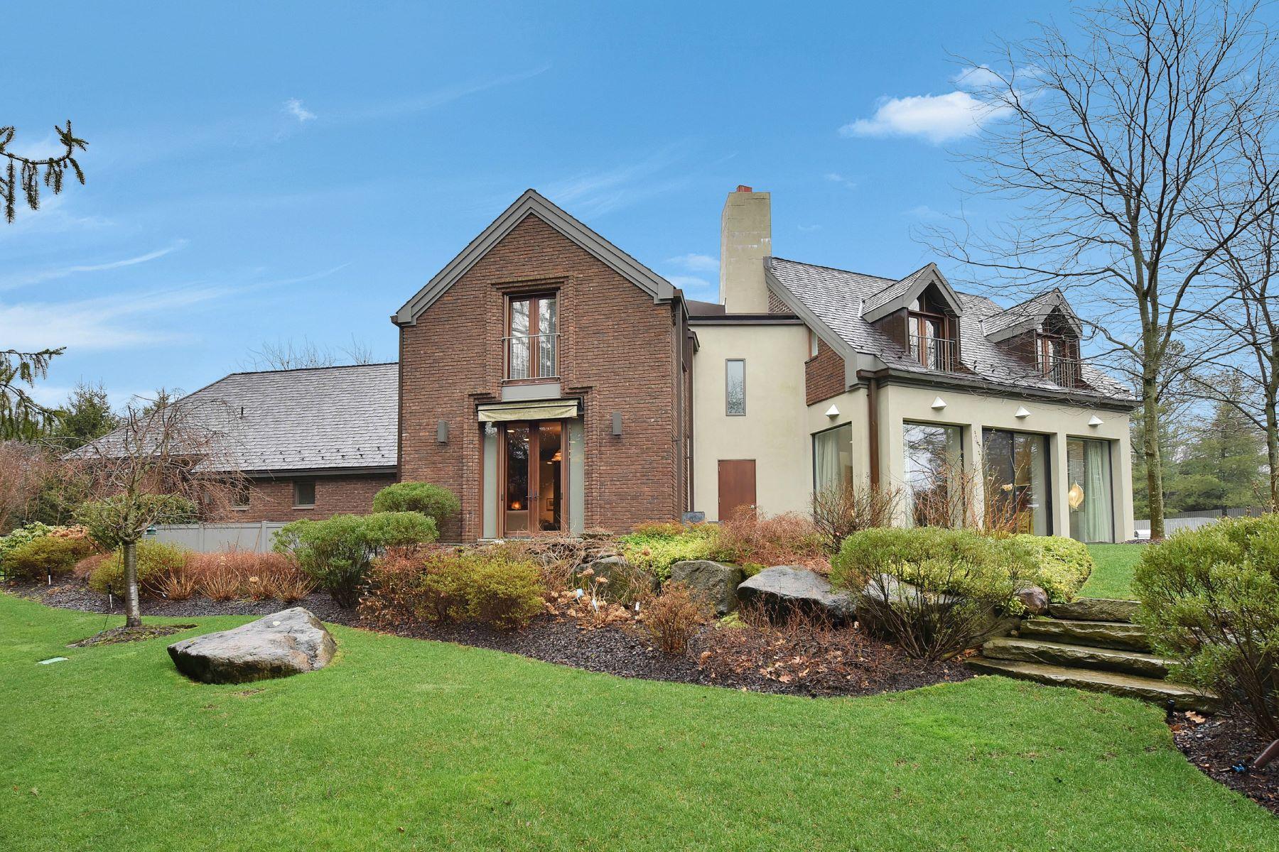 独户住宅 为 销售 在 The Quintessential, Understated, Post-Modern Home 10 Nelson Place 特纳弗莱, 新泽西州 07670 美国