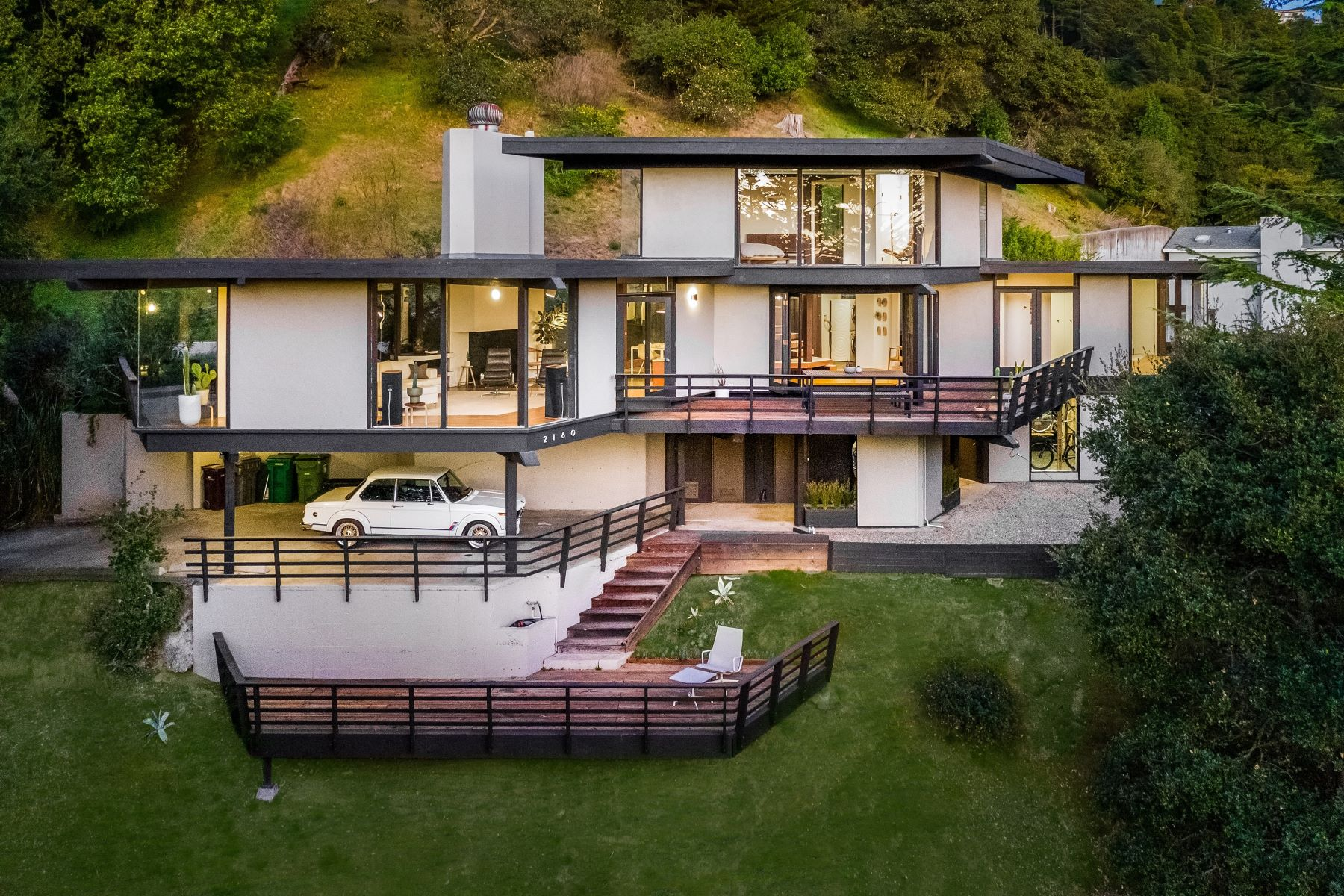 Single Family Homes for Active at Ultra-Rare Mid-Century Masterpiece 2160 Mastlands Drive Oakland, California 94611 United States