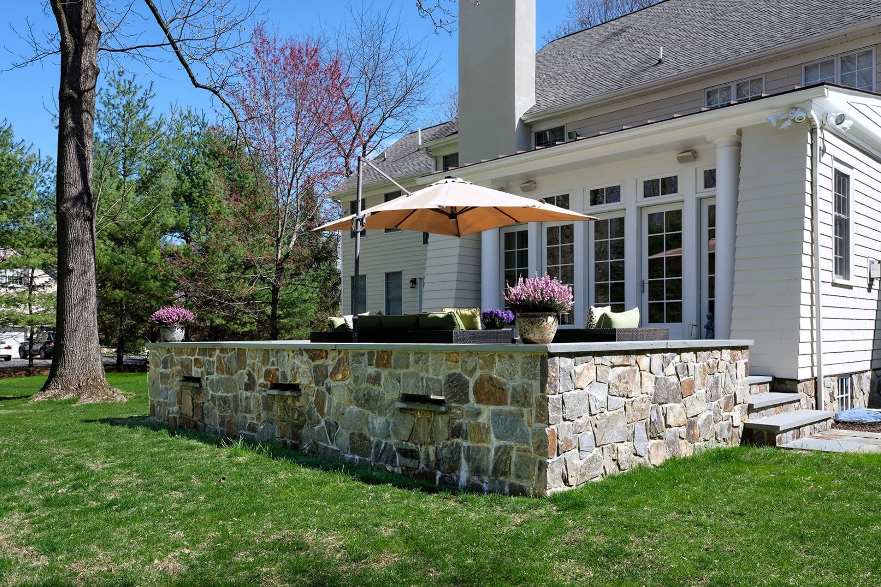 Additional photo for property listing at A True Beauty With Many Recent Improvements 656 Cherry Hill Road, Princeton, New Jersey 08540 United States
