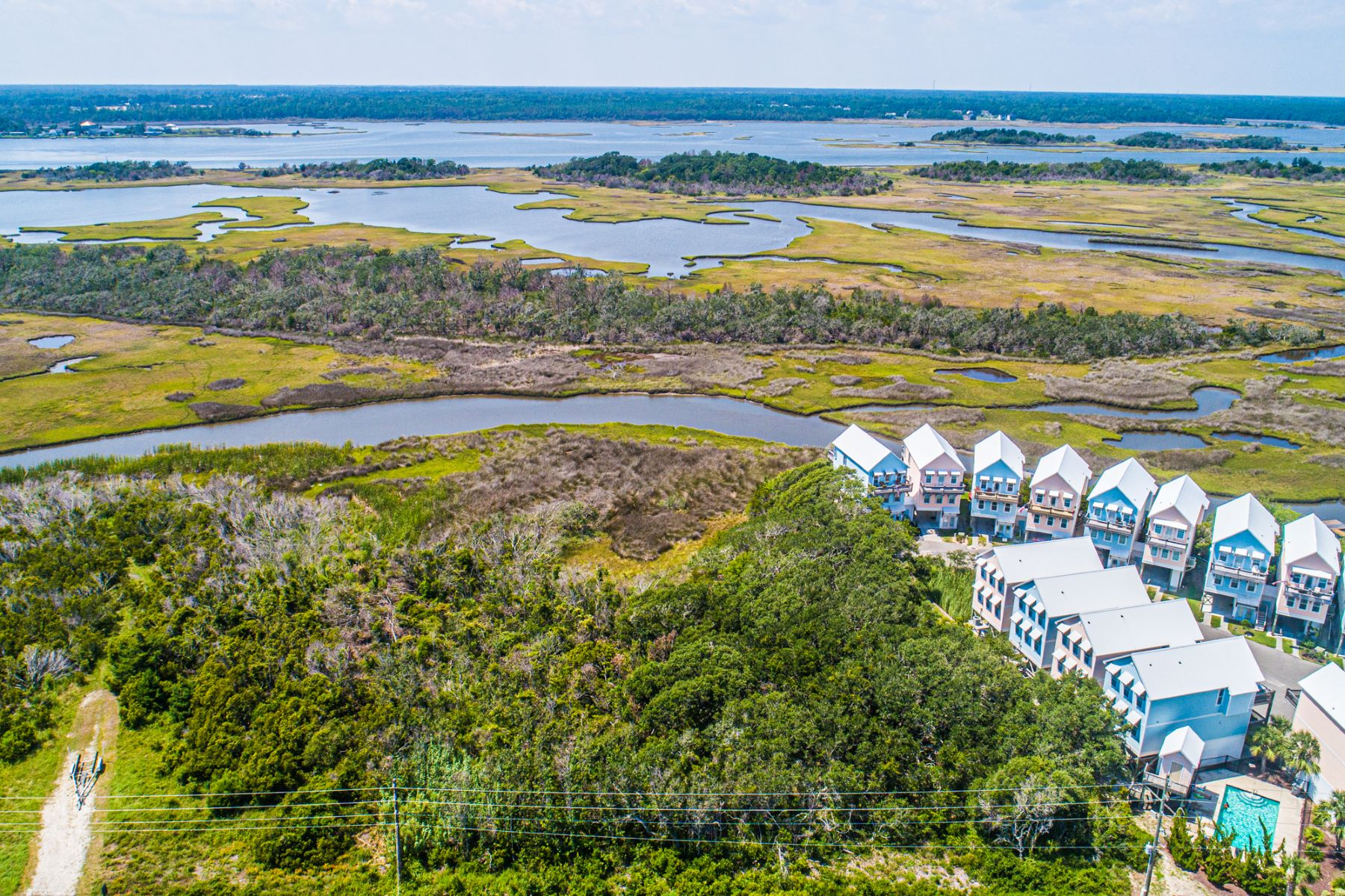 土地,用地 为 销售 在 Beautiful Waterfront Land TBD N New River Inlet, Surf City, 北卡罗来纳州 28445 美国