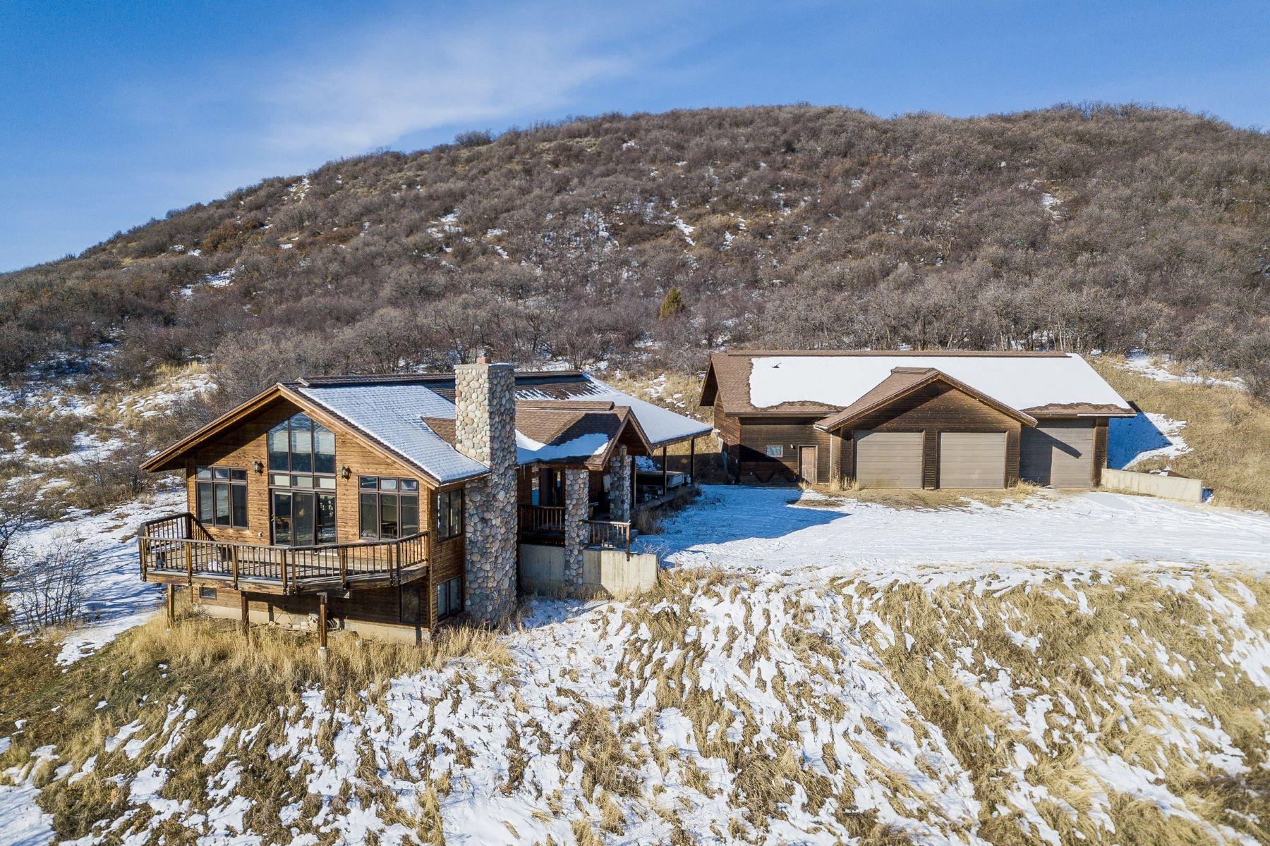 独户住宅 为 销售 在 Elk River Home 42155 Deer Road 斯廷博特斯普林斯, 科罗拉多州 80487 美国