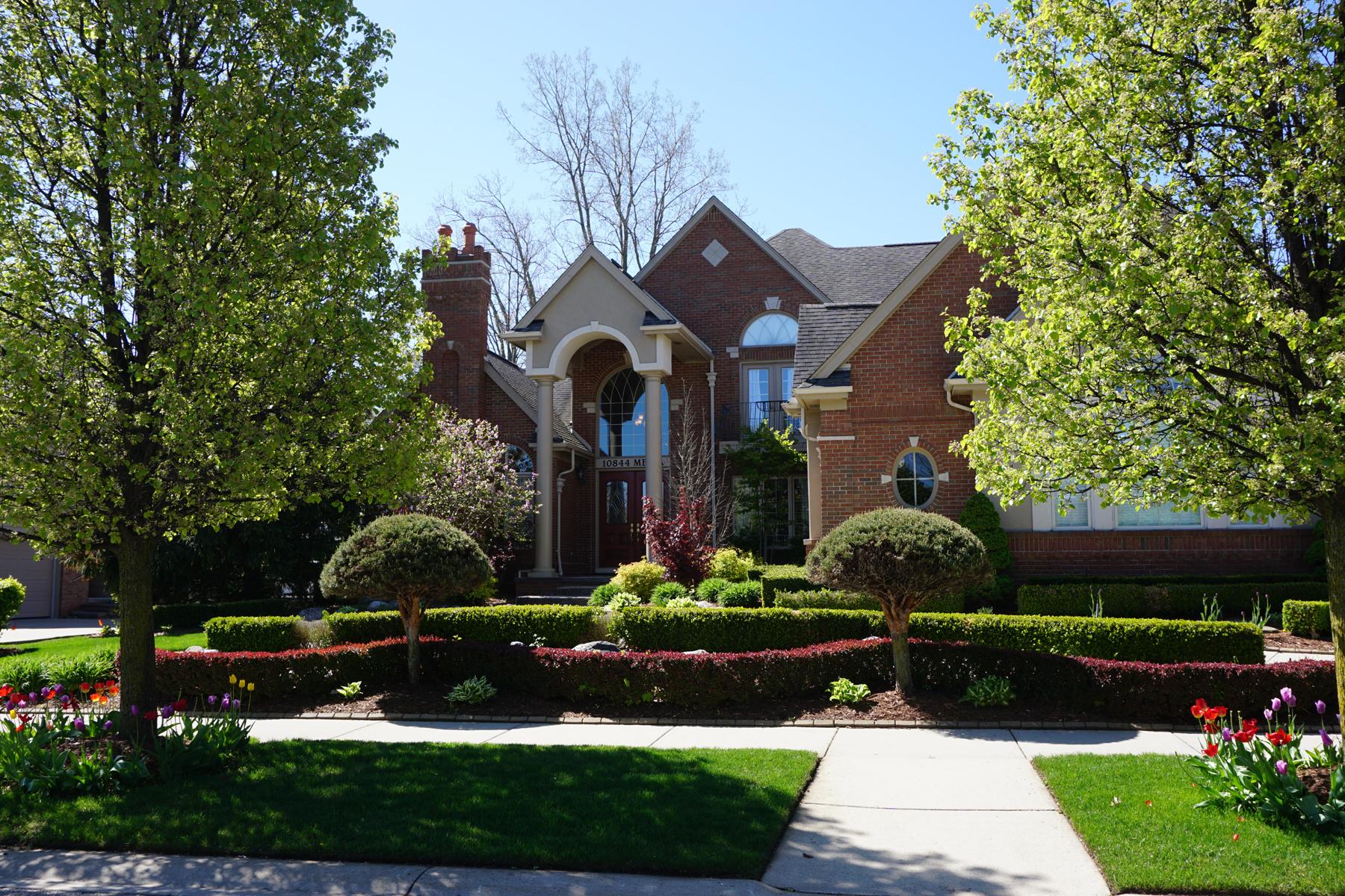 独户住宅 为 销售 在 Shelby Township 10844 Melia Drive 谢尔比镇, 密歇根州, 48315 美国