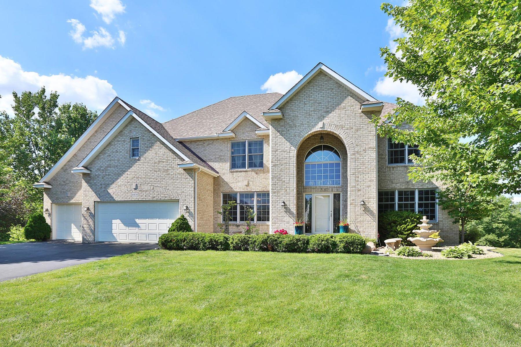 Casa para uma família para Venda às 16434 Holbrook Ave. 16434 Holbrook Avenue Lakeville, Minnesota, 55044 Estados Unidos