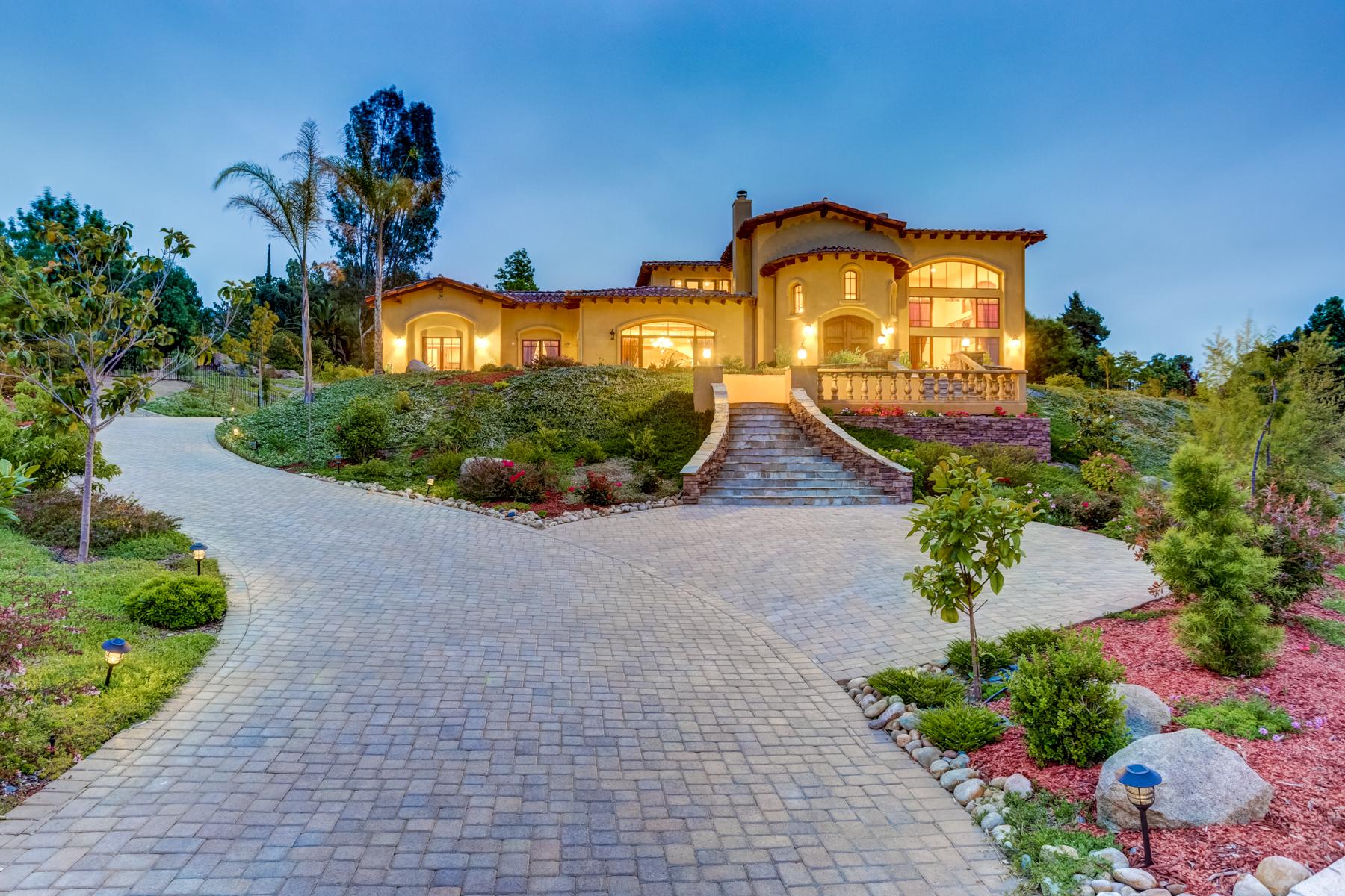 Vivienda unifamiliar por un Venta en 12992 Polvera Court San Diego, California, 92128 Estados Unidos