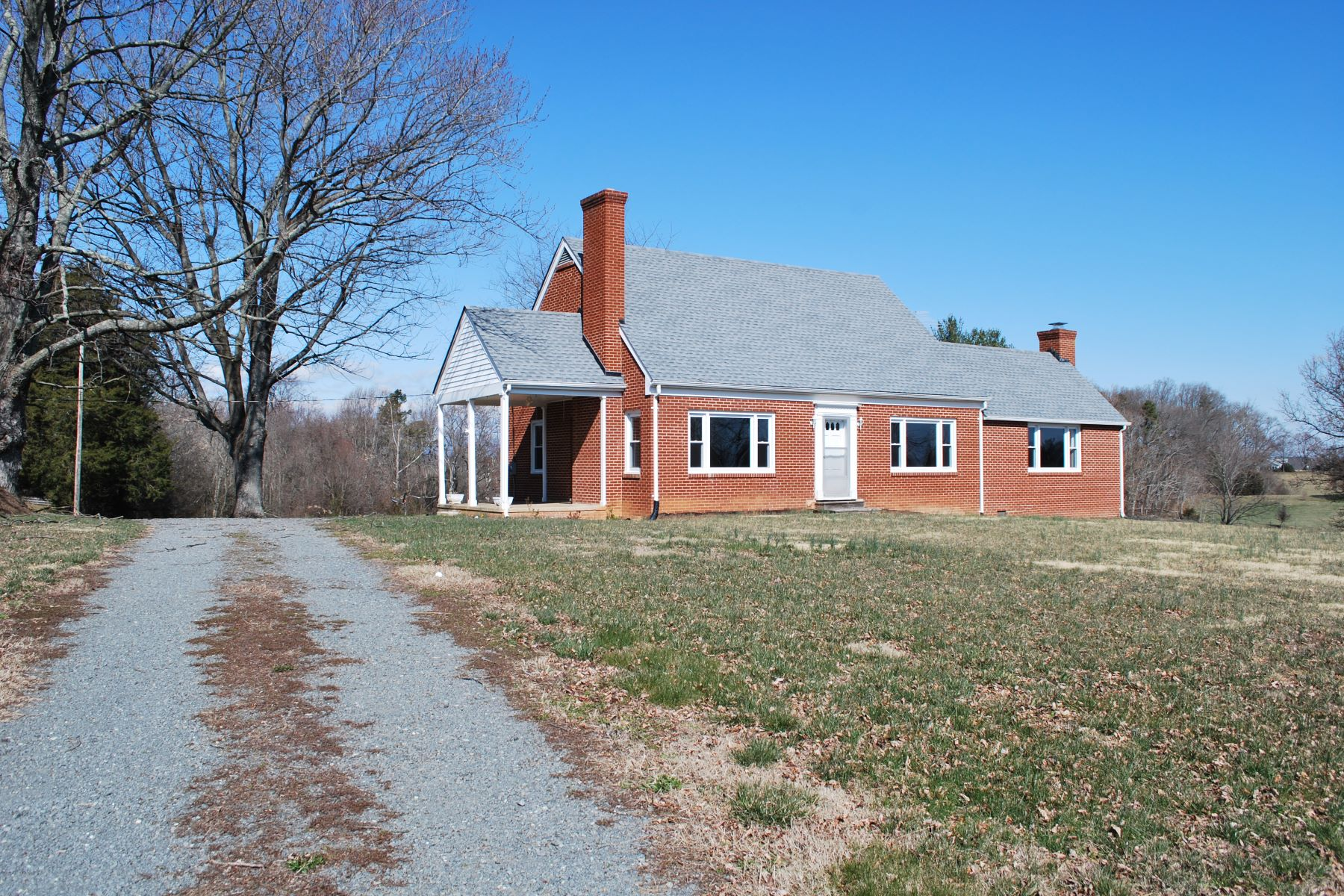 Single Family Home for Sale at 11513 Spicers Mill Rd. 11513 Spicers Mill Rd. Orange, Virginia 22960 United States