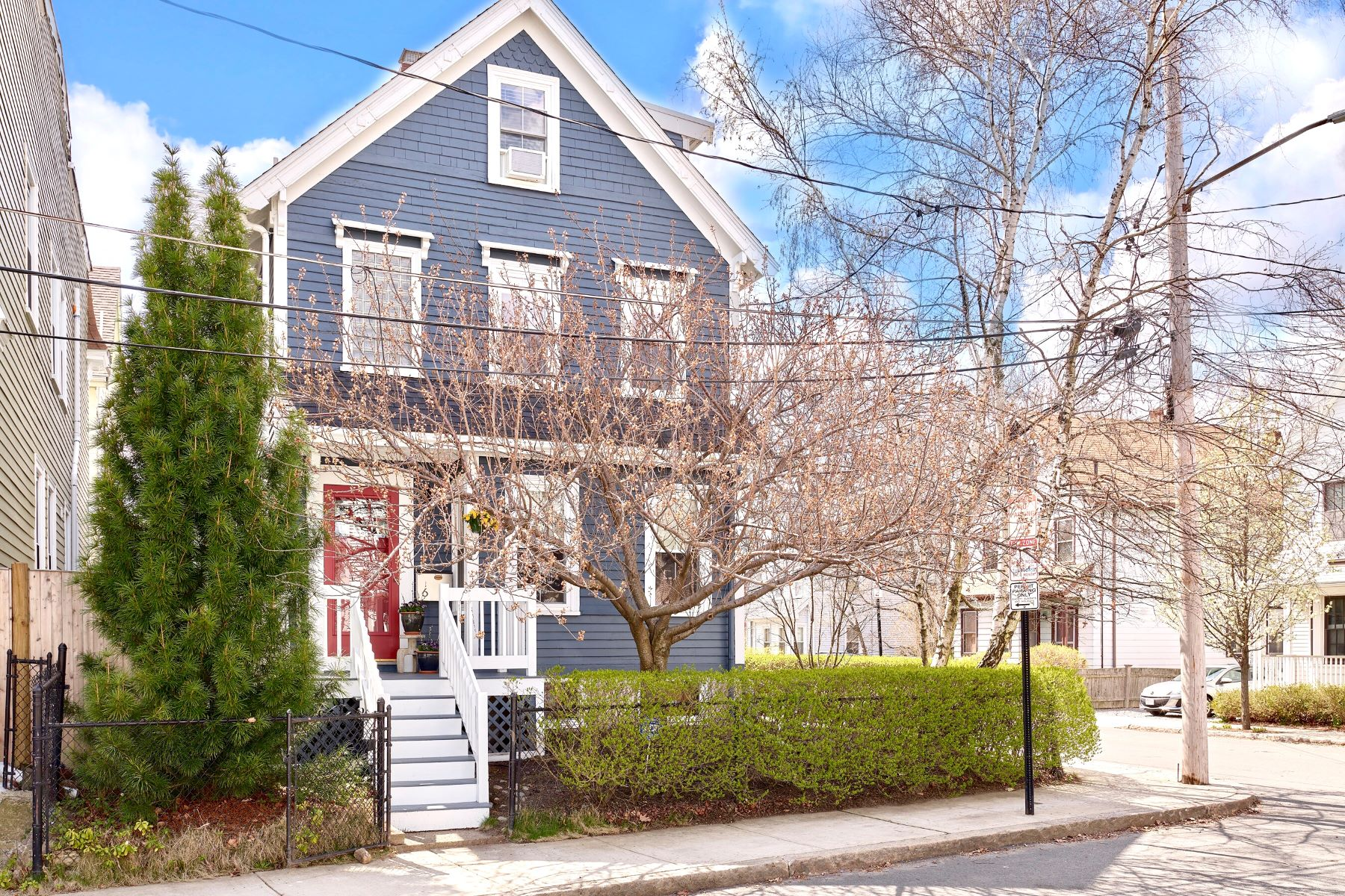 Single Family Homes for Active at Meticulously Maintained Victorian Home 6 Morgan St Somerville, Massachusetts 02143 United States
