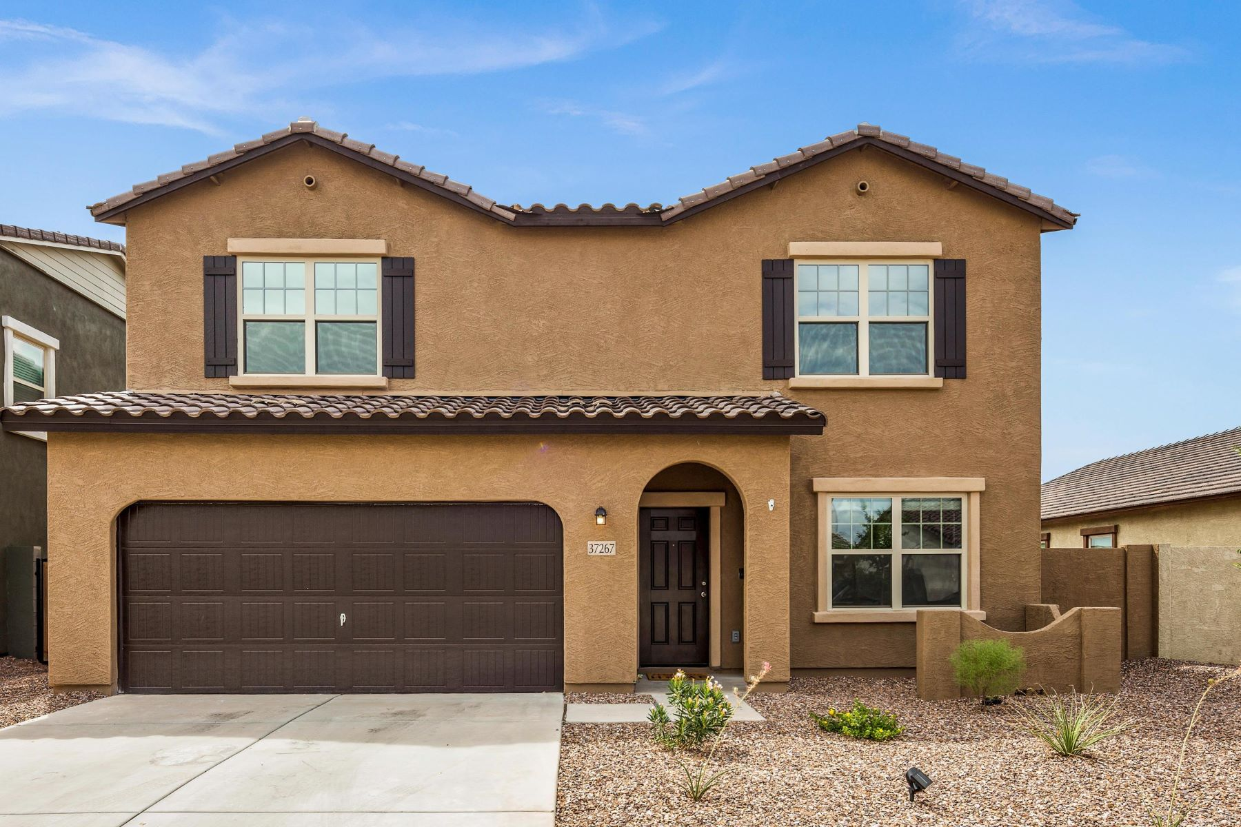 Single Family Homes por un Venta en Sorrento 37267 W CANNATARO LN Maricopa, Arizona 85138 Estados Unidos