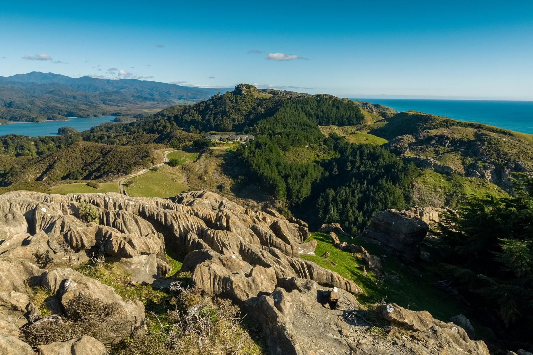 Ferme / Ranch / Plantation pour l Vente à Westhaven Retreat 336 Te Hapu Road Takaka, Tasman 7073 Nouvelle-Zélande