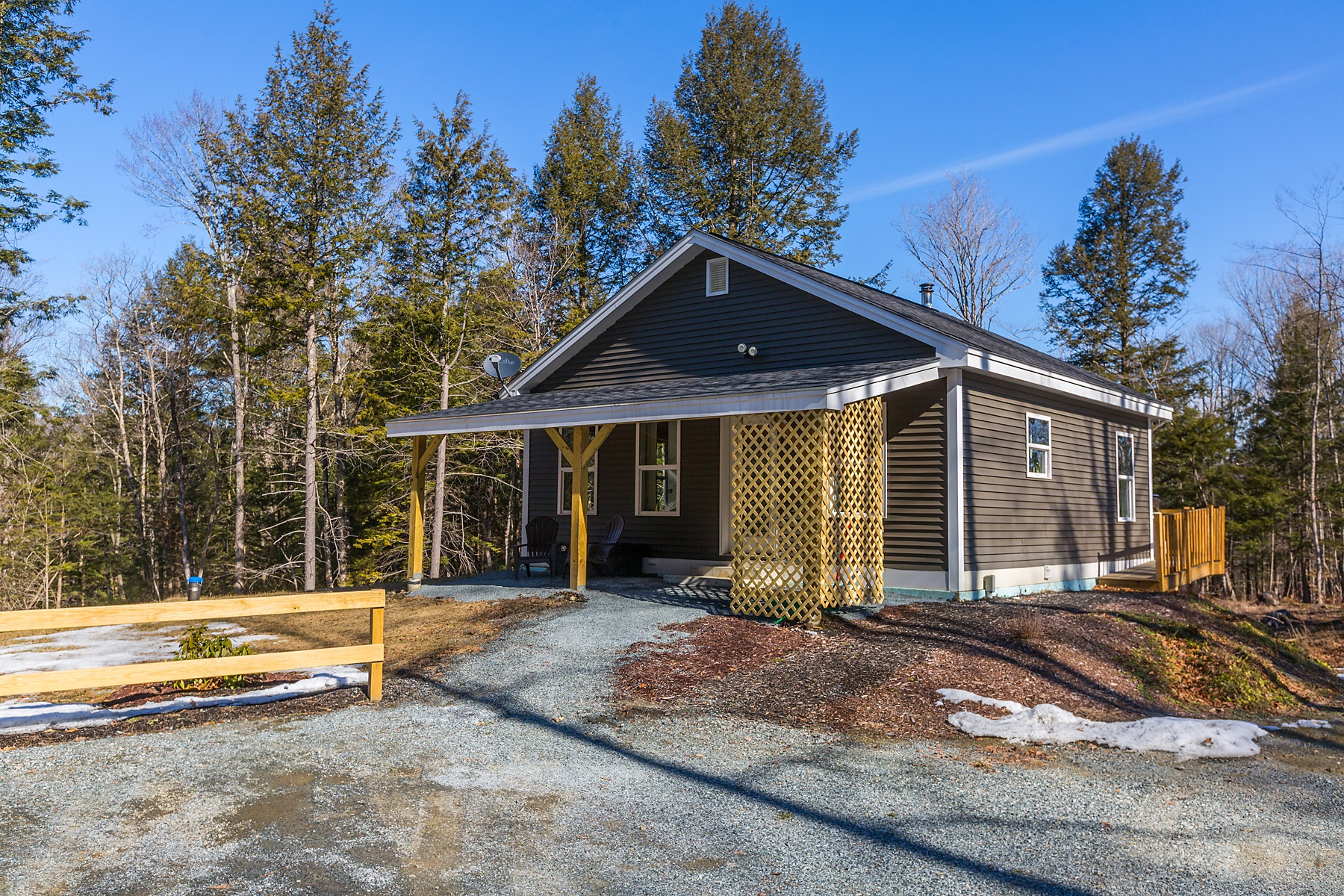 Single Family Homes for Sale at Pomfret Retreat 120 Graves Road Pomfret, Vermont 05084 United States