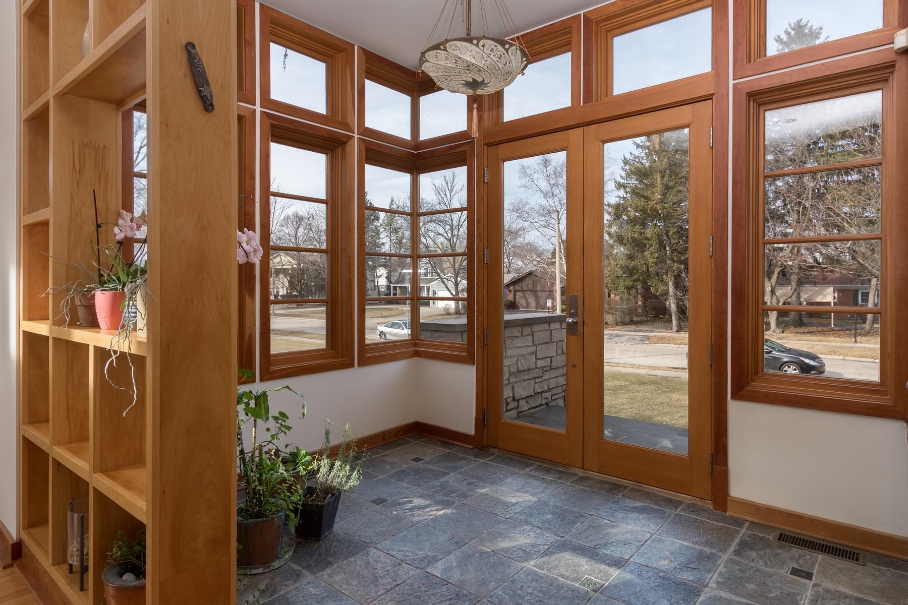Einfamilienhaus für Verkauf beim One of a Kind, Contemporary Wilmette Home 3221 Wilmette Avenue Wilmette, Illinois, 60091 Vereinigte Staaten