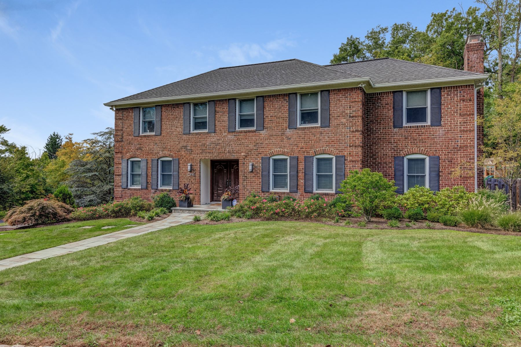 Single Family Home for Sale at Impeccable Colonial 1 Bruce Path, Short Hills, New Jersey 07078 United States