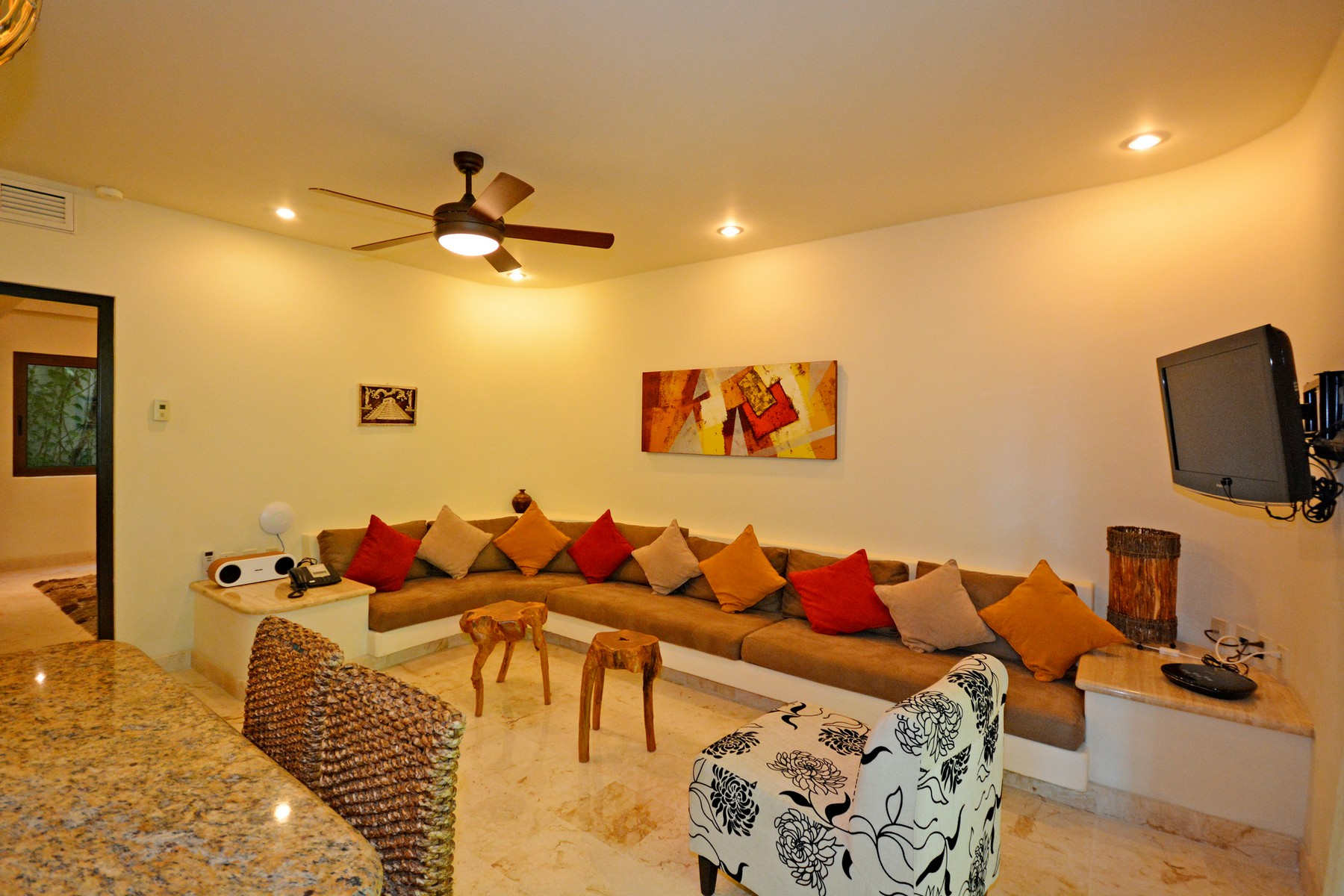 Additional photo for property listing at LUJOSO  APARTAMENTO ESTILO BALINÉS Oceanfront,  Santuary Level, El Taj Calle 1era Nte, entre 12 y 14 Nte. Playa Del Carmen, Quintana Roo 77710 México