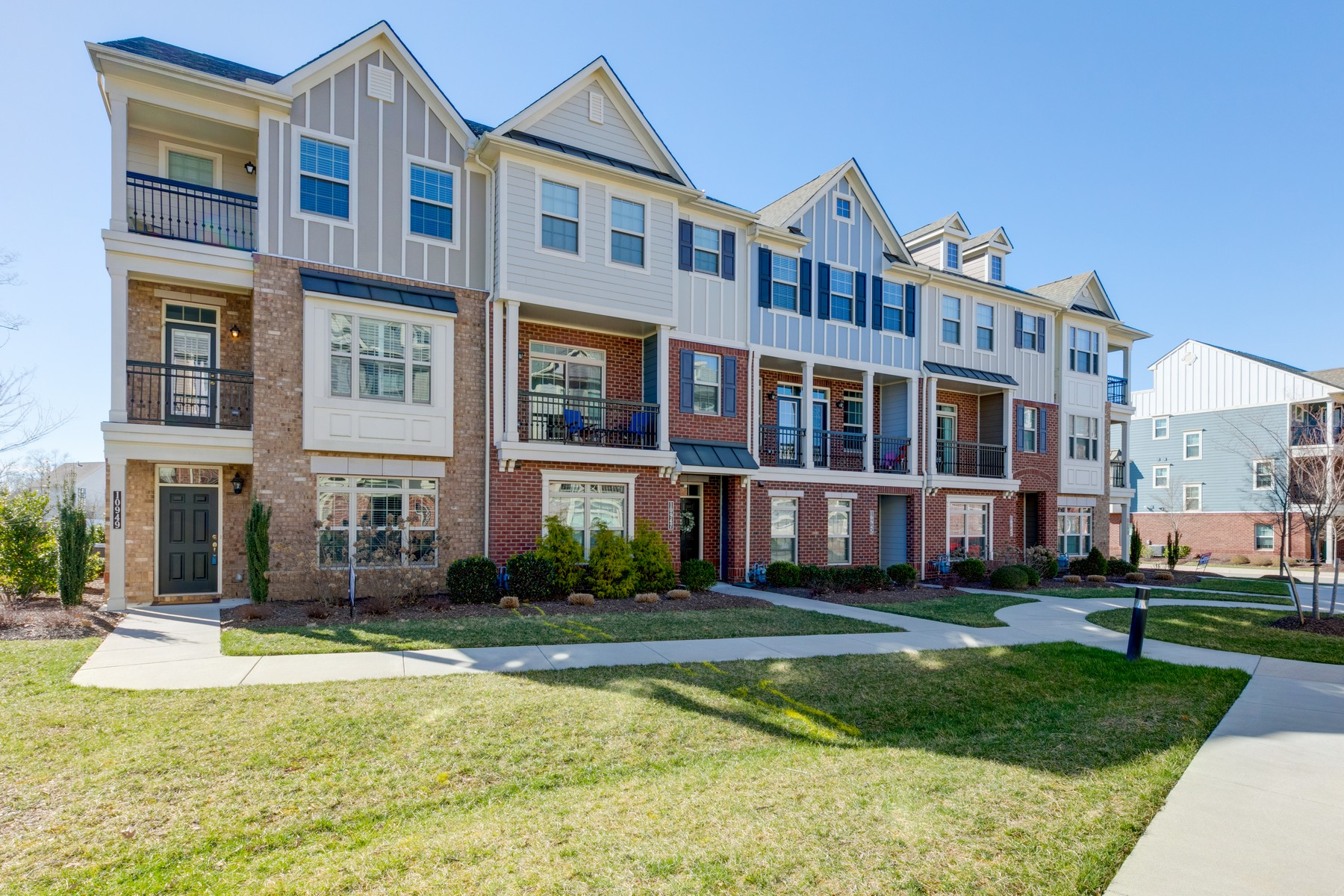 Condominiums for Sale at 10947 Parkshire Lane Henrico, Virginia 23233 United States