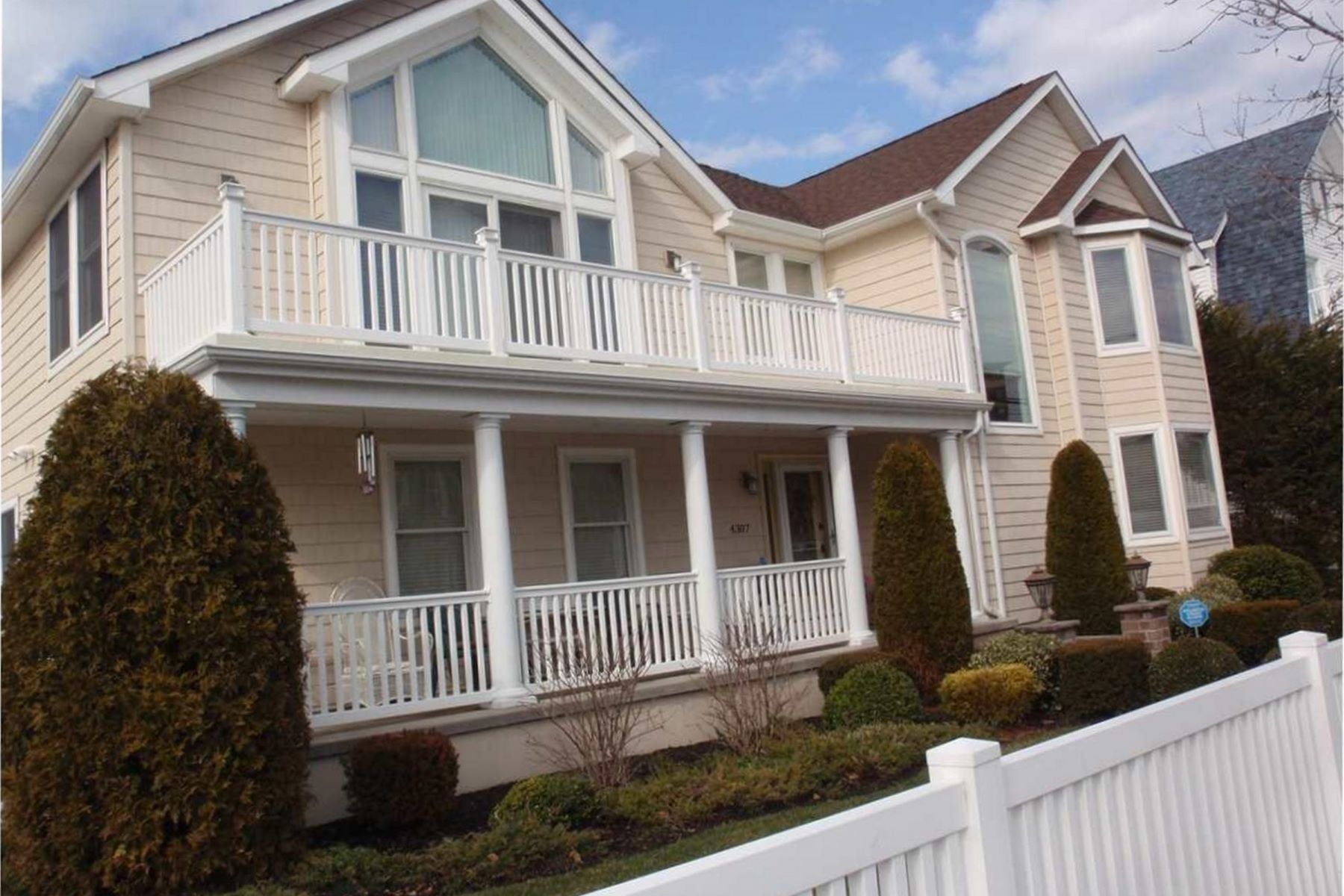 Single Family Homes for Active at 4307 Atlantic Avenue Atlantic City, New Jersey 08401 United States