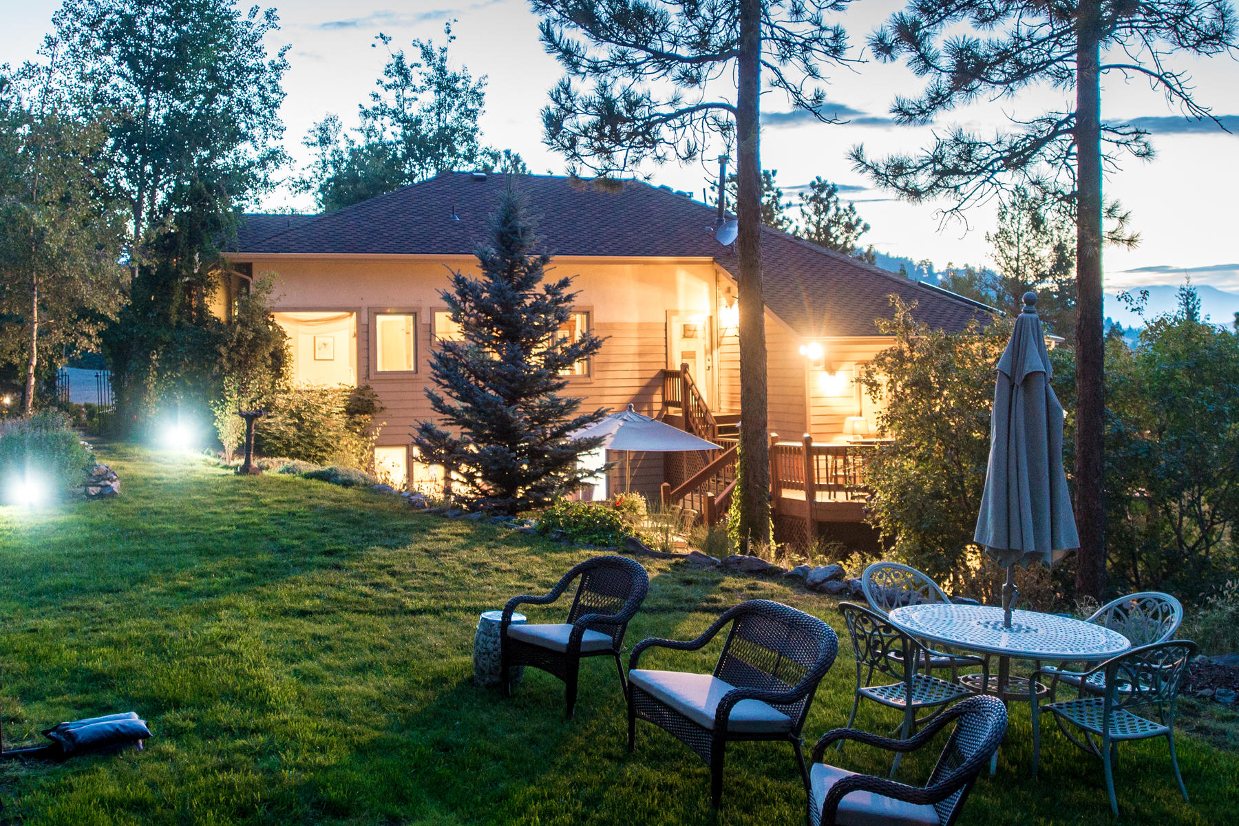 Additional photo for property listing at Mountain Oasis with Total Privacy 23331 Morning Rose Drive Golden, Colorado 80401 United States
