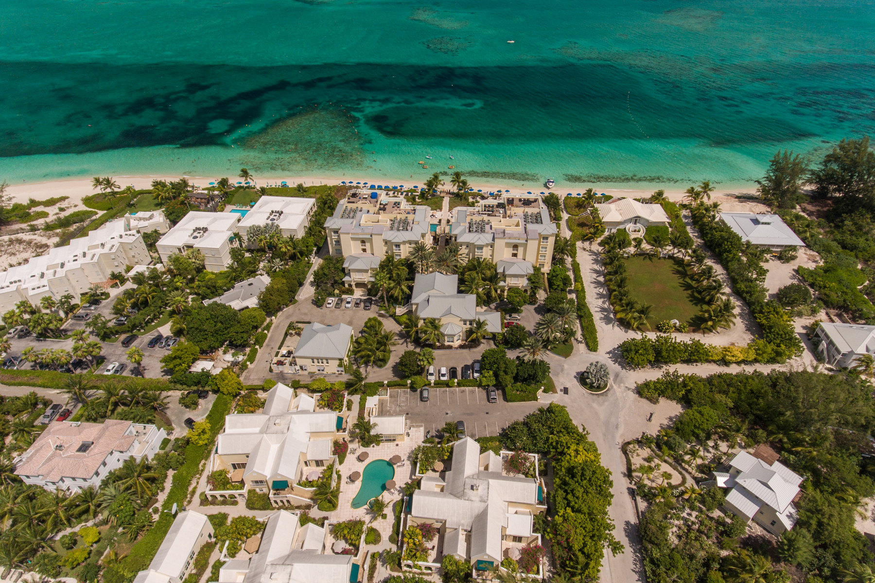 Additional photo for property listing at Reef Residences  Grace Bay, Providenciales TKCA 1ZZ Îles Turques Et Caïques