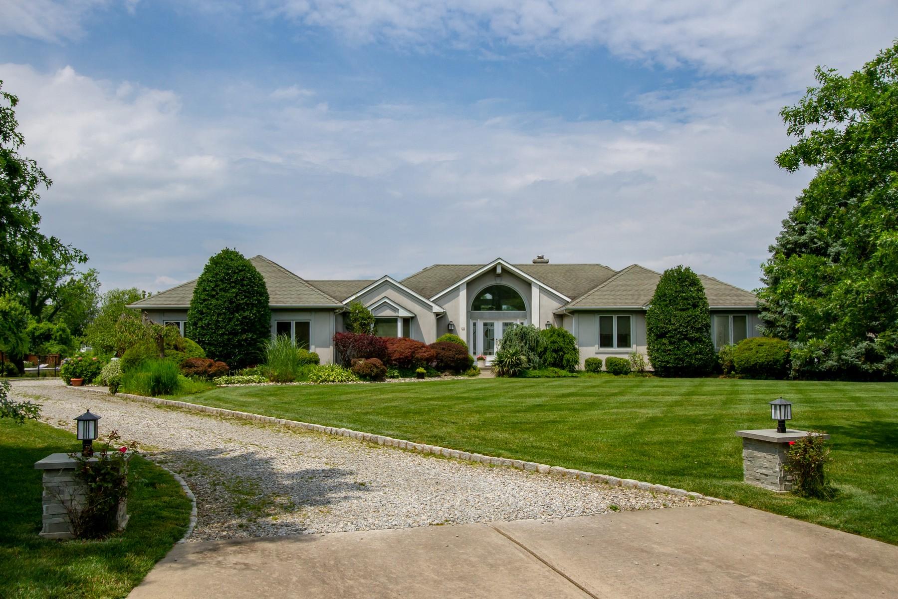 Single Family Homes pour l Vente à LIVE ON THE WATER 4 Blue Point Cv, Oceanport, New Jersey 07757 États-Unis