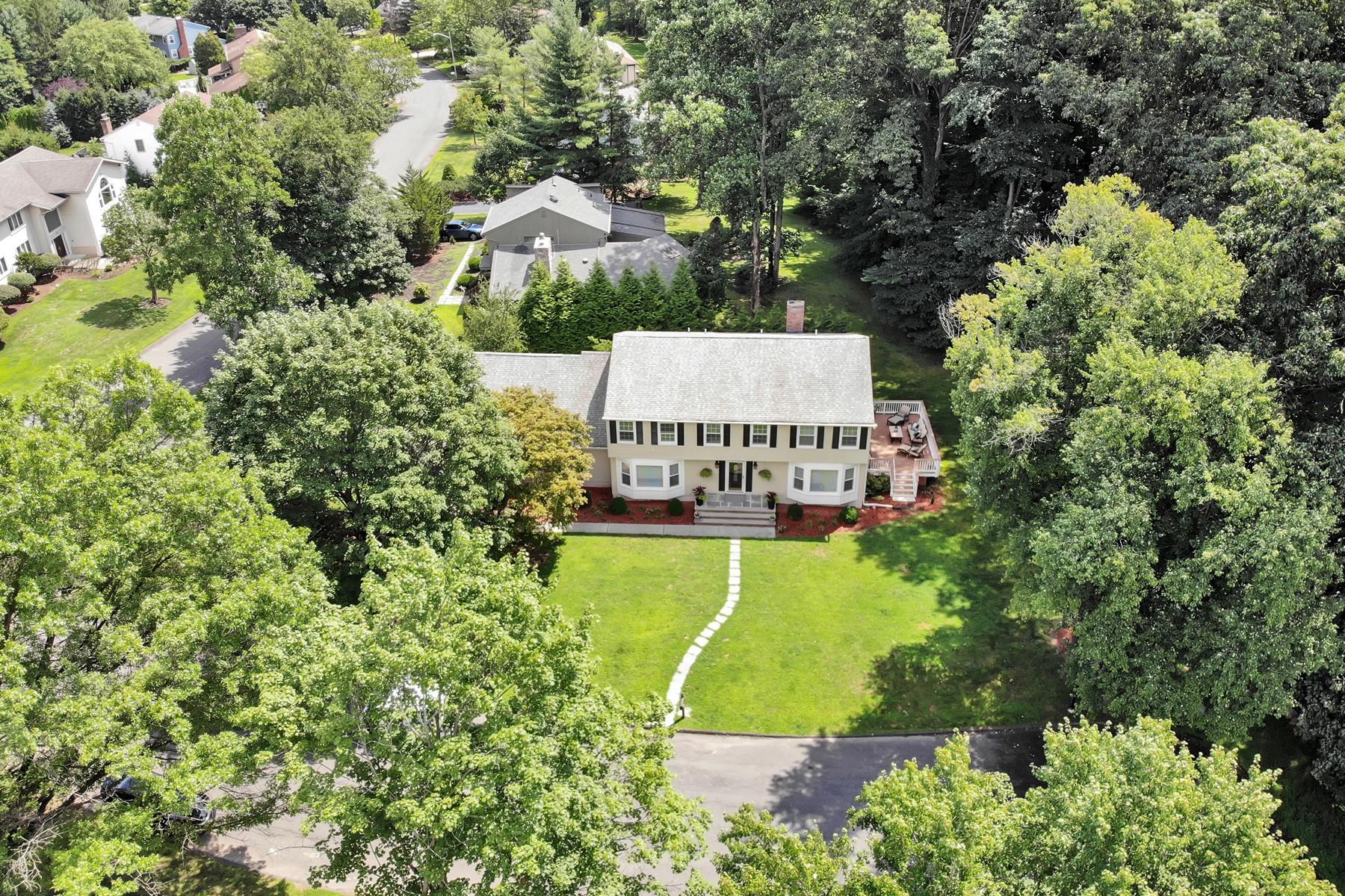 Single Family Homes pour l Vente à Fabulous Opportunity 100 Burkhardt Lane, Harrington Park, New Jersey 07640 États-Unis