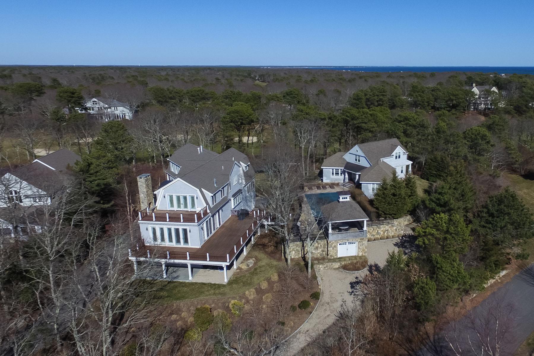 Maison avec plusieurs logements pour l Vente à EXQUISITE GOLF FRONT FAMILY COMPOUND 240 & 242 Glenneagle Drive New Seabury, Massachusetts, 02649 États-Unis