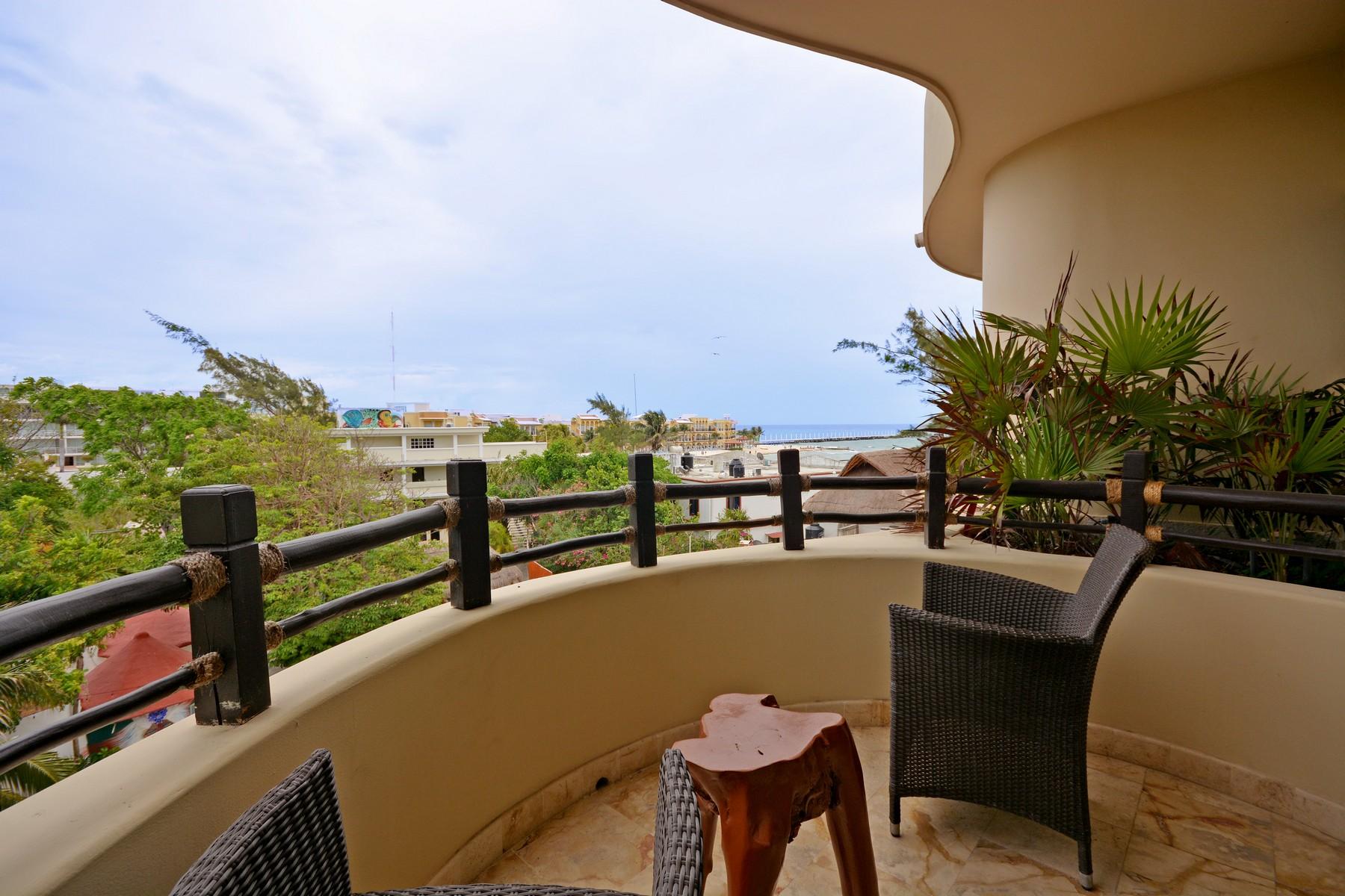 Nhà chung cư vì Bán tại INSPIRING BEACHFRONT APARTMENT Oceanfront, 3rd Level, El Taj Calle 1era Nte, entre 12 y 14 Nte. Playa Del Carmen, Quintana Roo, 77710 Mexico