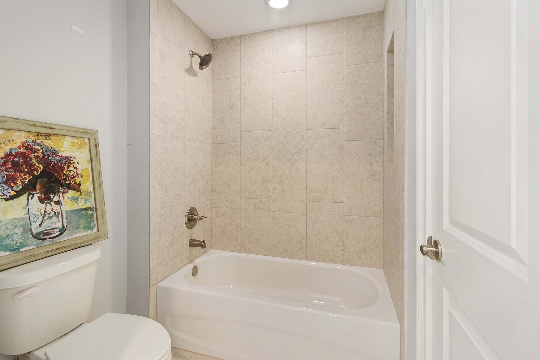 Additional photo for property listing at OCALA 728 Lake Diamond Ave, Ocala, Florida 34472 Estados Unidos