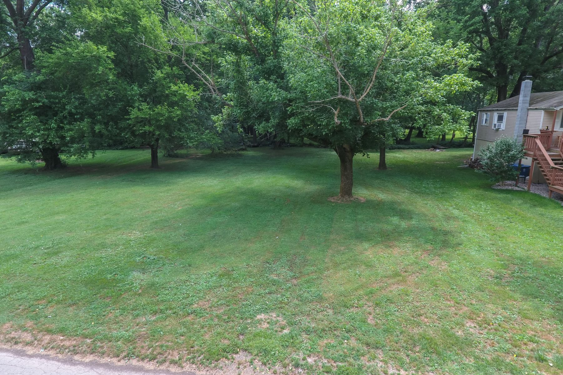 Additional photo for property listing at 27 & 28 Riverside Drive  Prospect, Kentucky 40059 United States